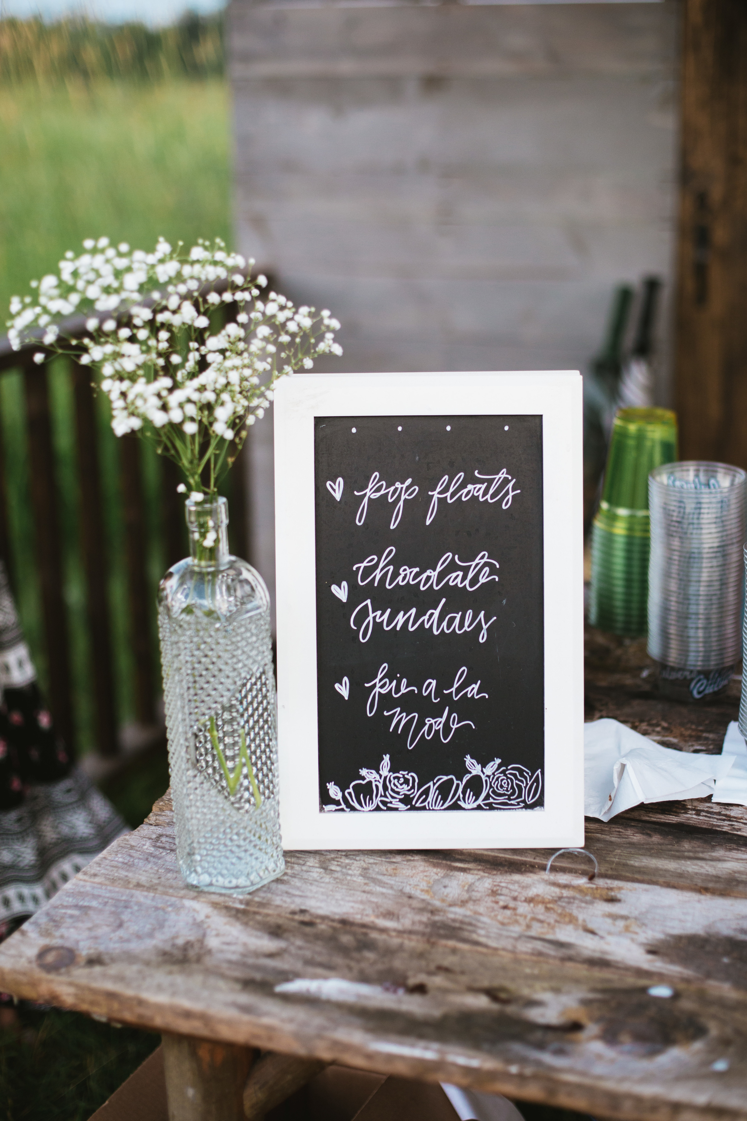 the-bees-knees-floral-sharayah-krautkremer-brainerd-mn-minnesota-wedding-florist-bride-flowers-lovely-day-fleur-lettering-minnesota
