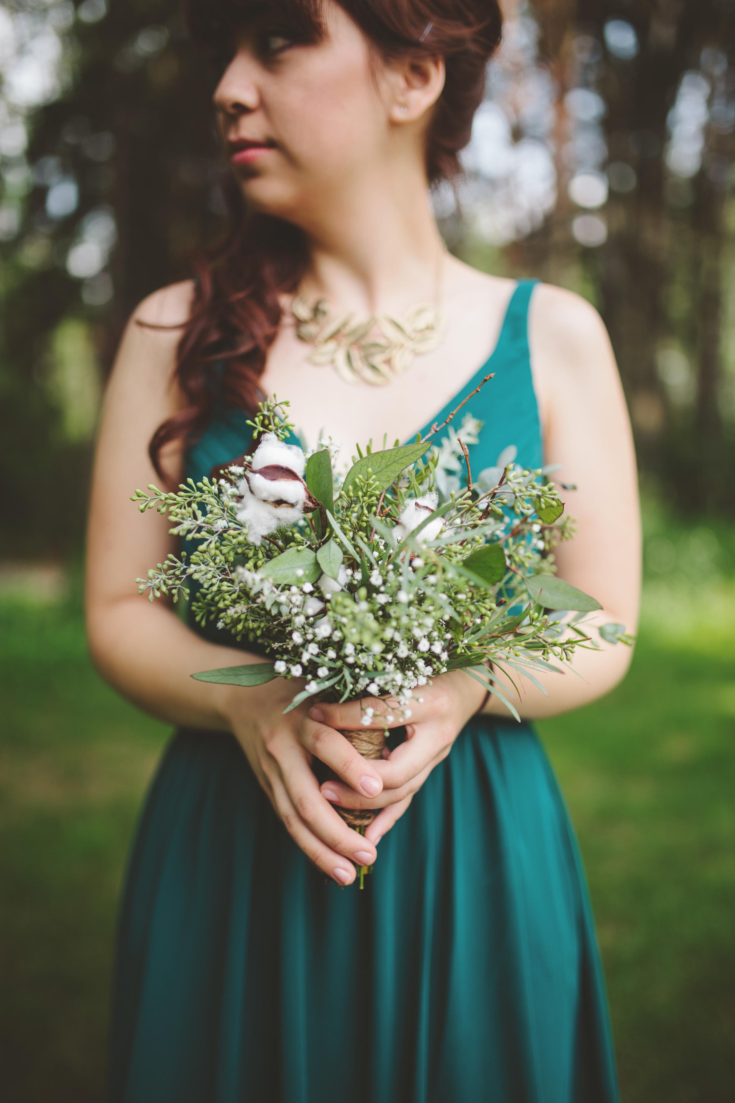 the-bees-knees-floral-design-studio-brainerd-mn-minnesota-florist-wedding-weddings-bride-greenery-bouquet