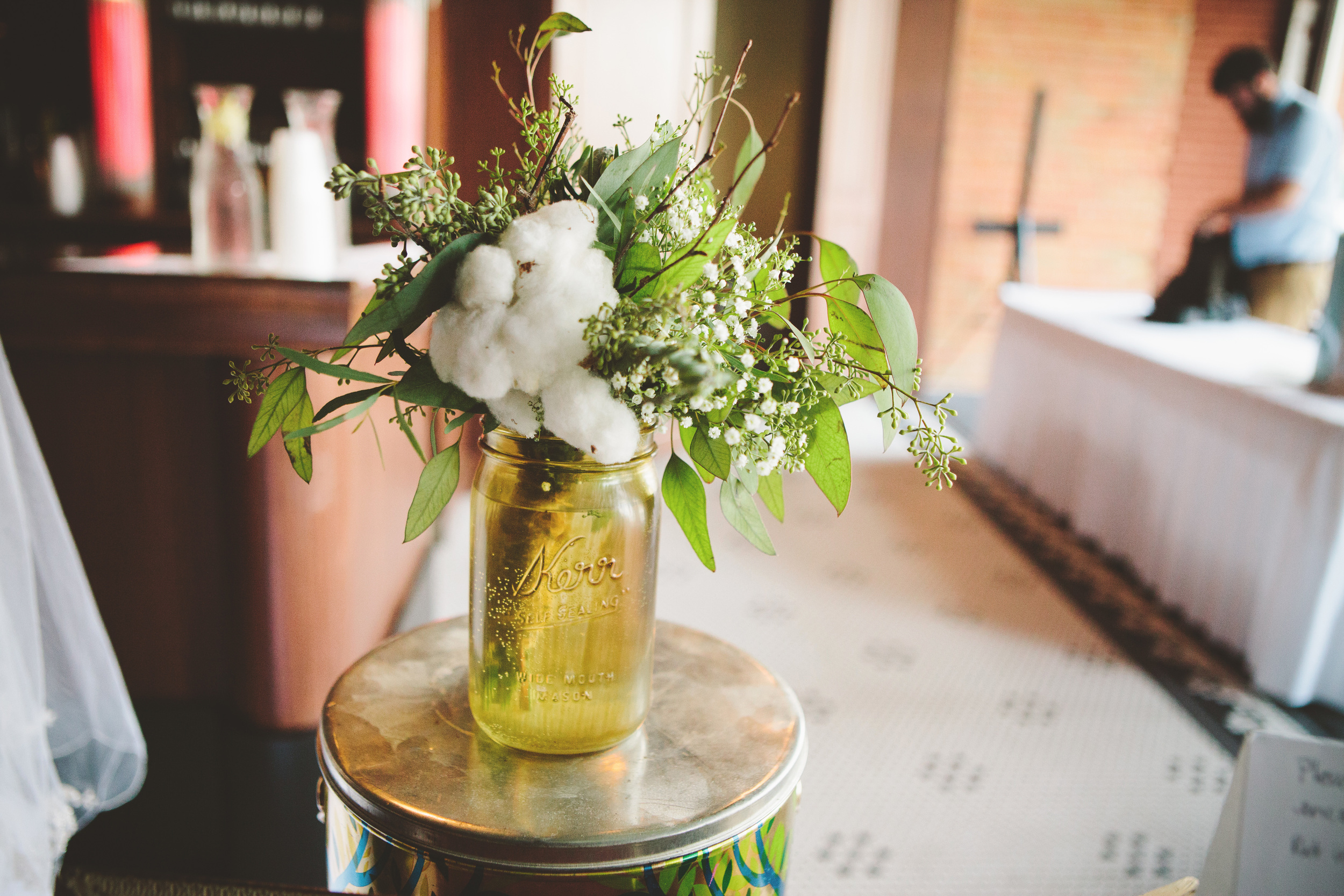 the-bees-knees-floral-design-studio-brainerd-mn-minnesota-florist-wedding-weddings-bride-greenery-cotton-branch-toss-bouquet