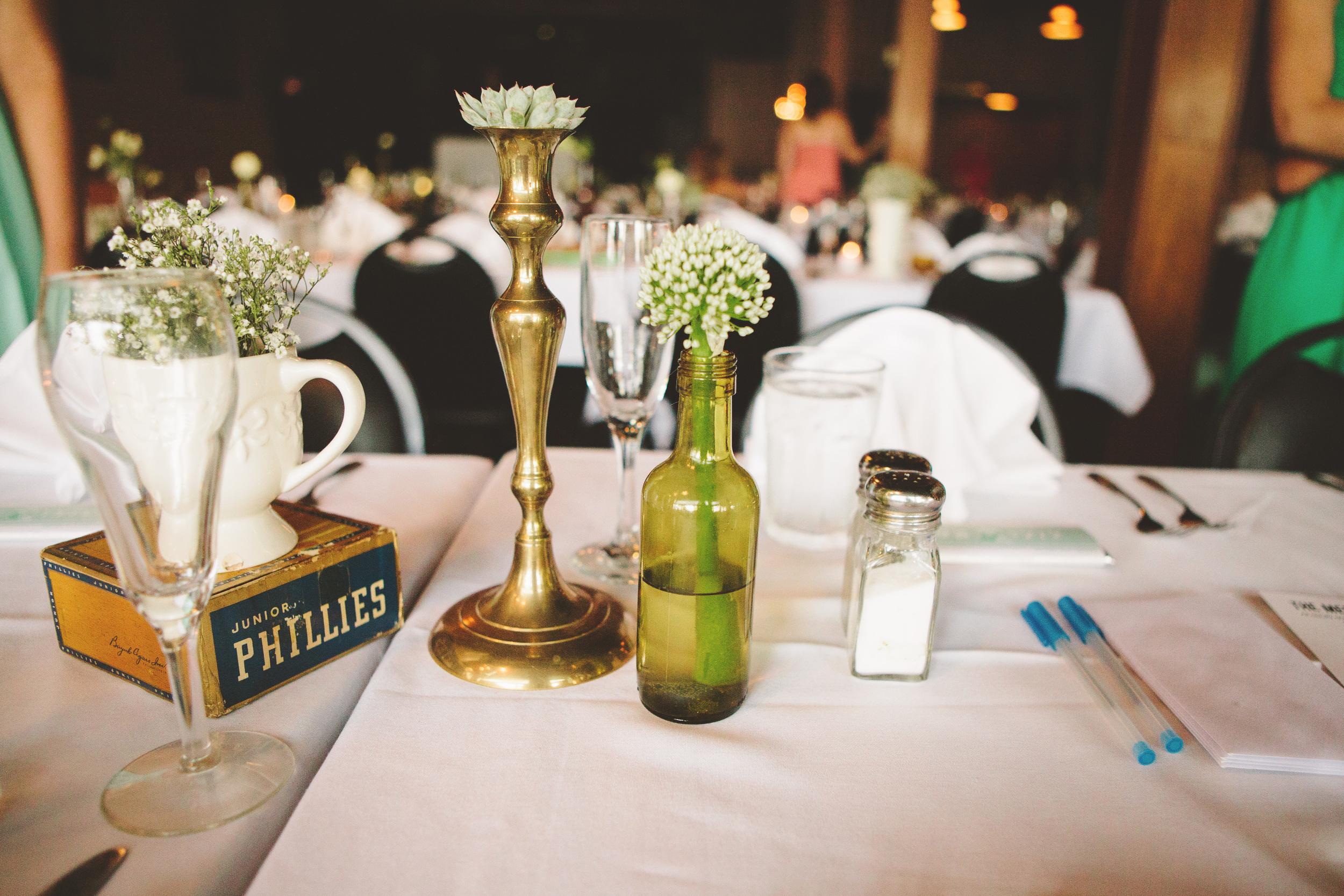 the-bees-knees-floral-design-studio-brainerd-mn-minnesota-florist-wedding-weddings-bride-greenery-vintage-decor-table-centerpiece