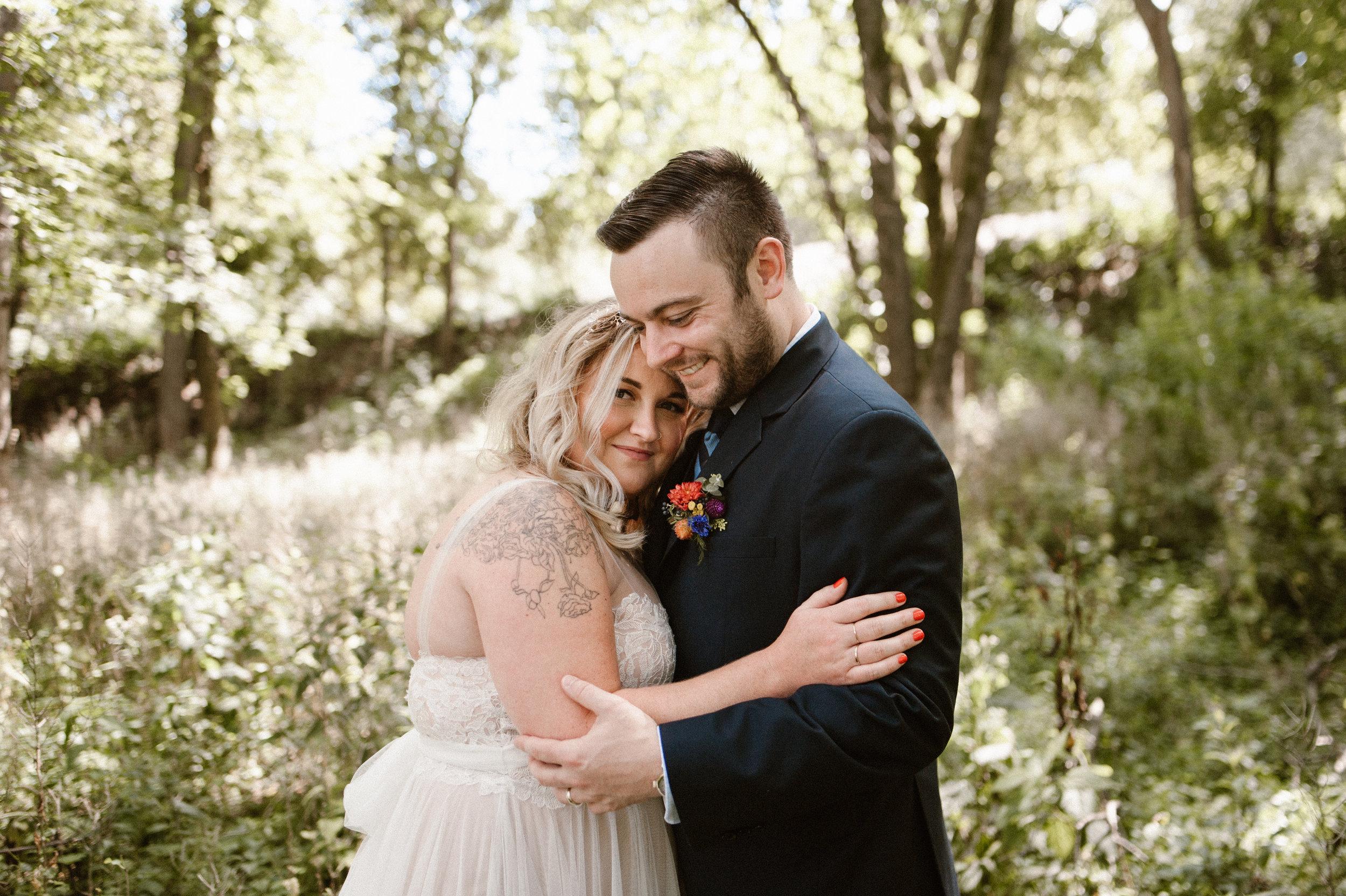 the-bees-knees-floral-brainerd-mn-minnesota-wedding-florist-floral-designer-flowers-bridal-twin-cities-minneapolis-sharayah-krautkremer-wildflower-weddings-vintage-decor-rentals