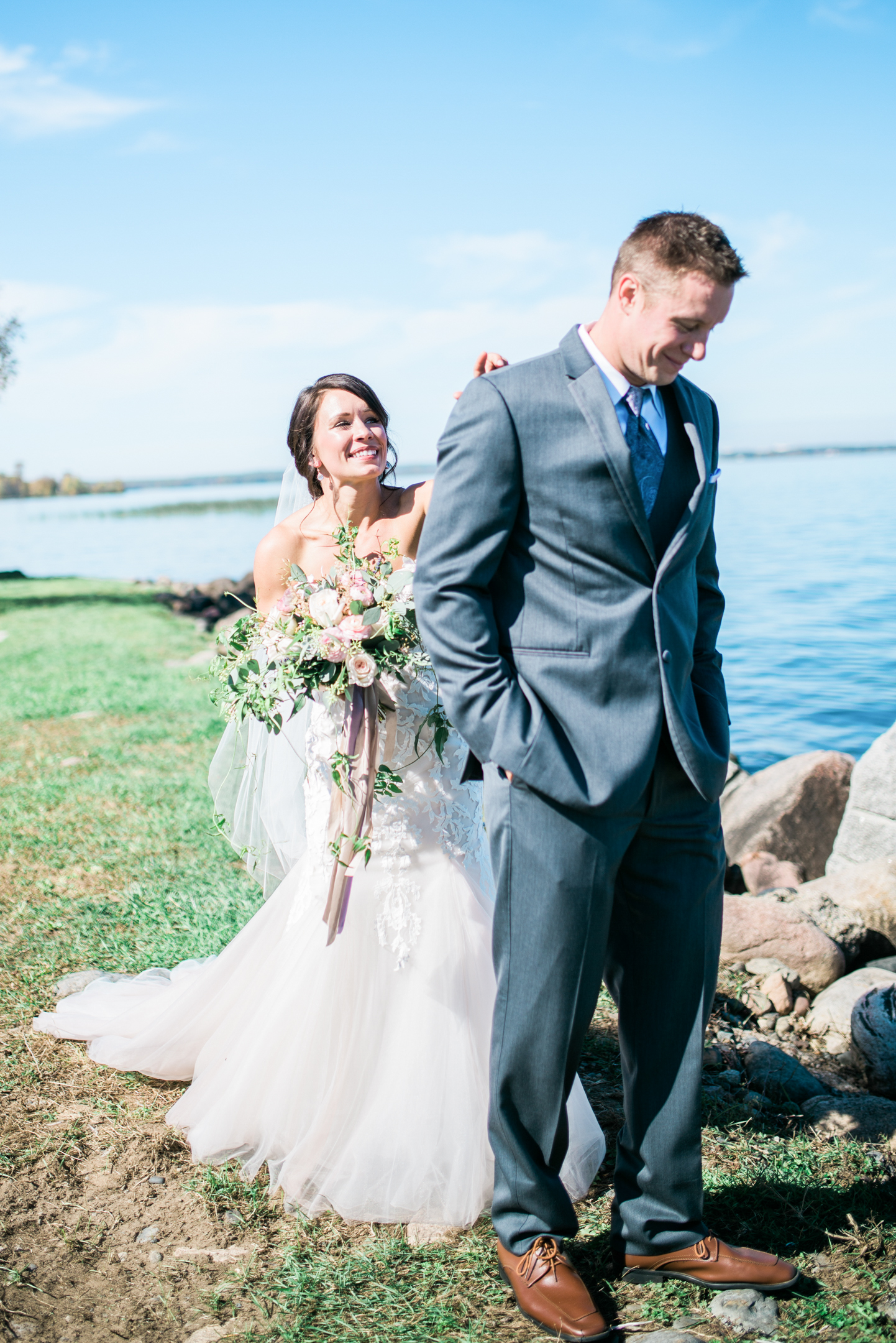 the bee's knees floral design decor minneapolis wedding flowers florist bridal florals brainerd lakes minneapols st paul twin cities st cloud duluth mankato mn florist whimsical florals wedding in the country barn wedding blush and greenery mille lacs lake