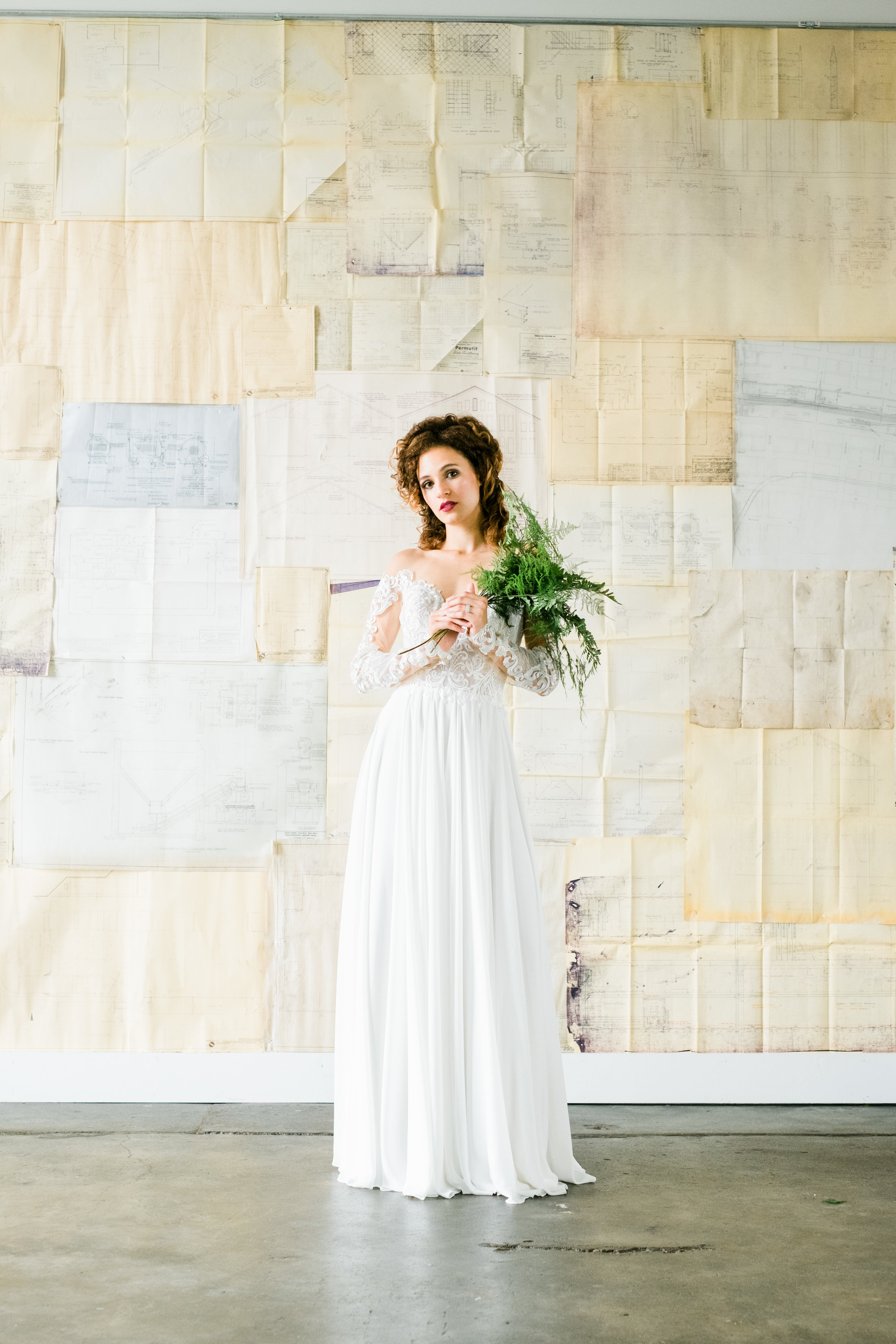fern + floret botanial mn editorial floral design | central minnesota brides magazine | editorial florist installation | tim larsen photography | np event space storehouse 1531
