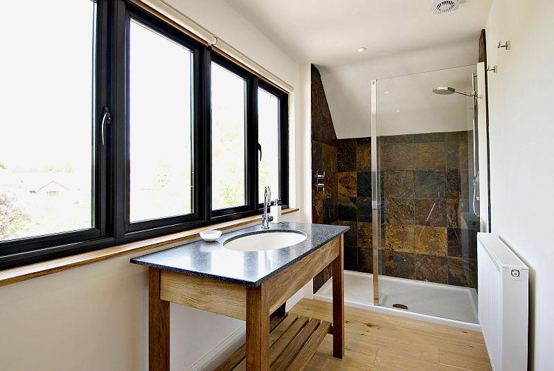8062835-bathroom4-800.jpg