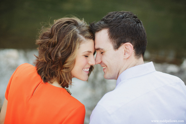 04-louisville-engagement-photographer-038.jpg