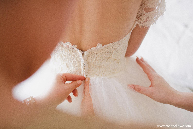 01-galt-house-wedding-photographer-020.jpg