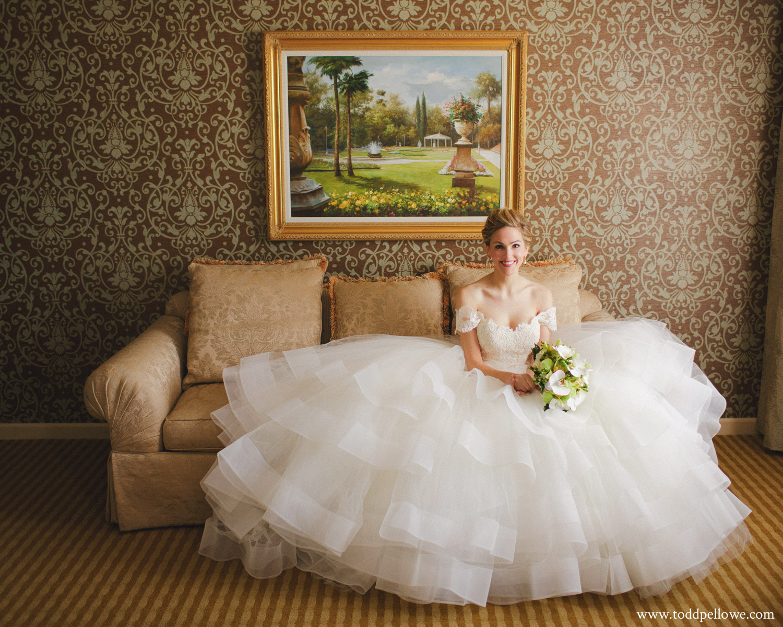 08-galt-house-wedding-photographer-083.jpg