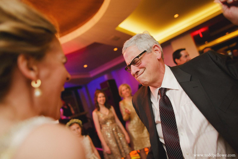 36-galt-house-wedding-photographer-730.jpg