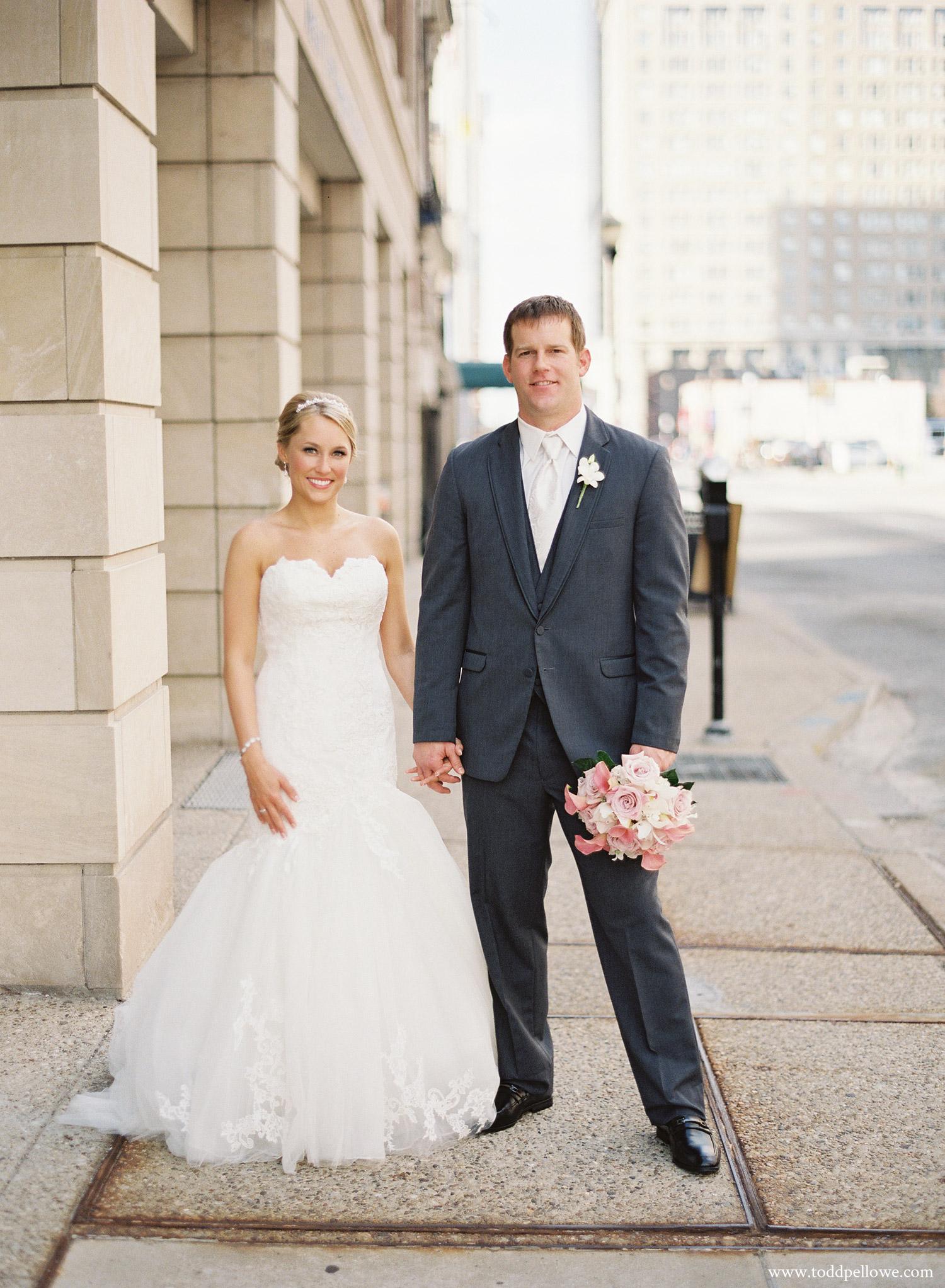 18-ashley-brian-brohm-louisville-wedding-005.jpg