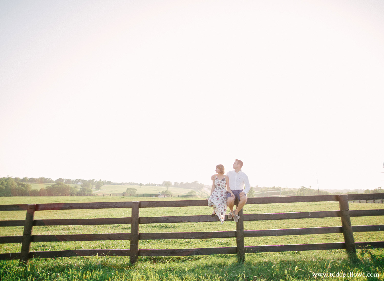 08-horse-farm-engagement-photography-118.jpg