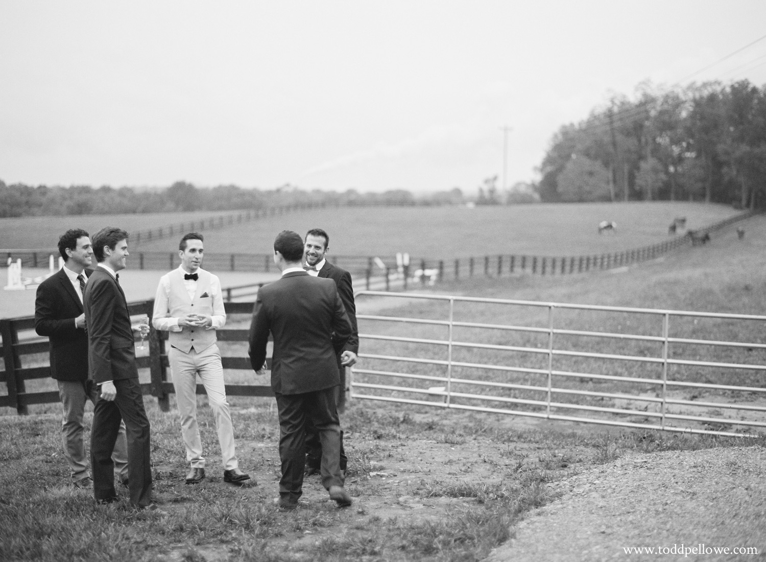40-kentucky-farm-wedding-photography-013.jpg