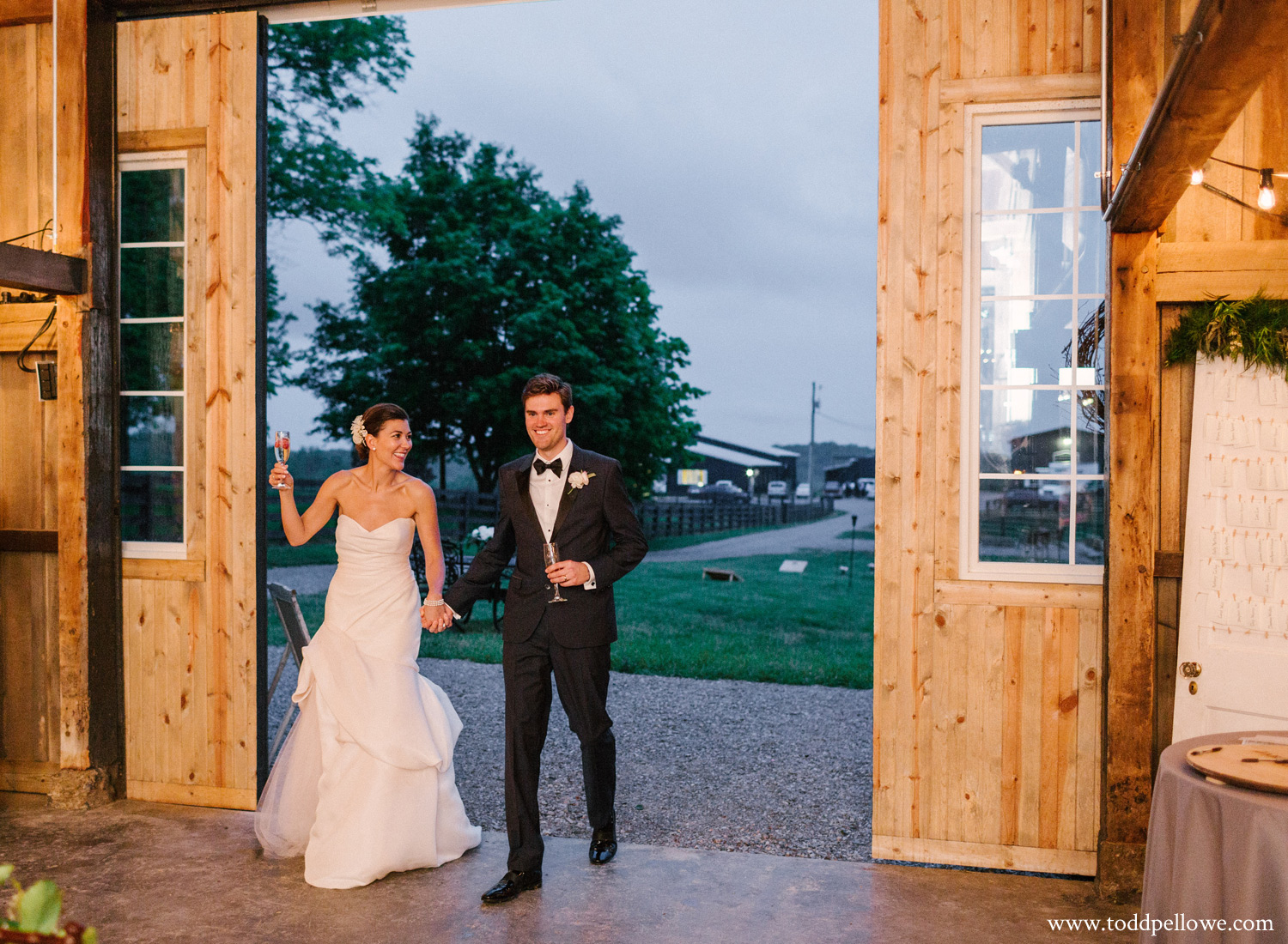 44-kentucky-farm-wedding-photography-573.jpg