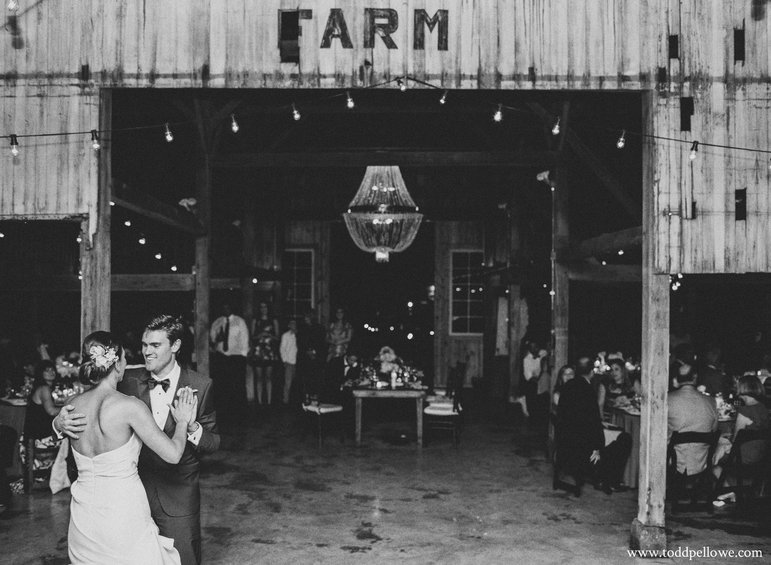 52-kentucky-farm-wedding-photography-692.jpg