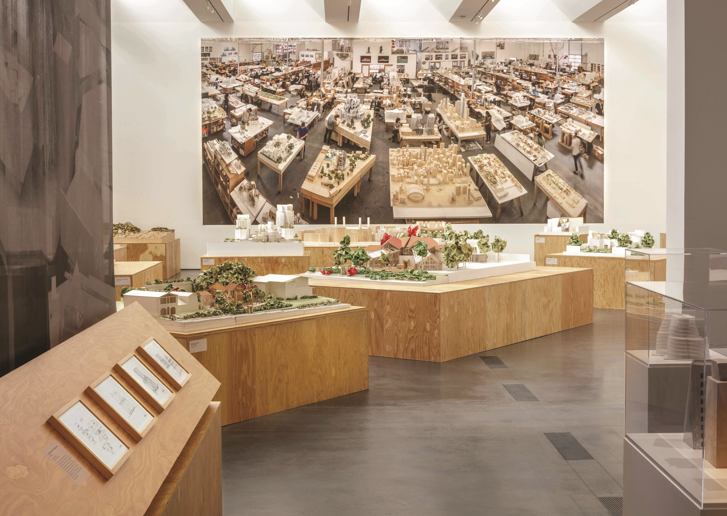 20150903_LACMA_Gehry-Install_014_labeled.jpg