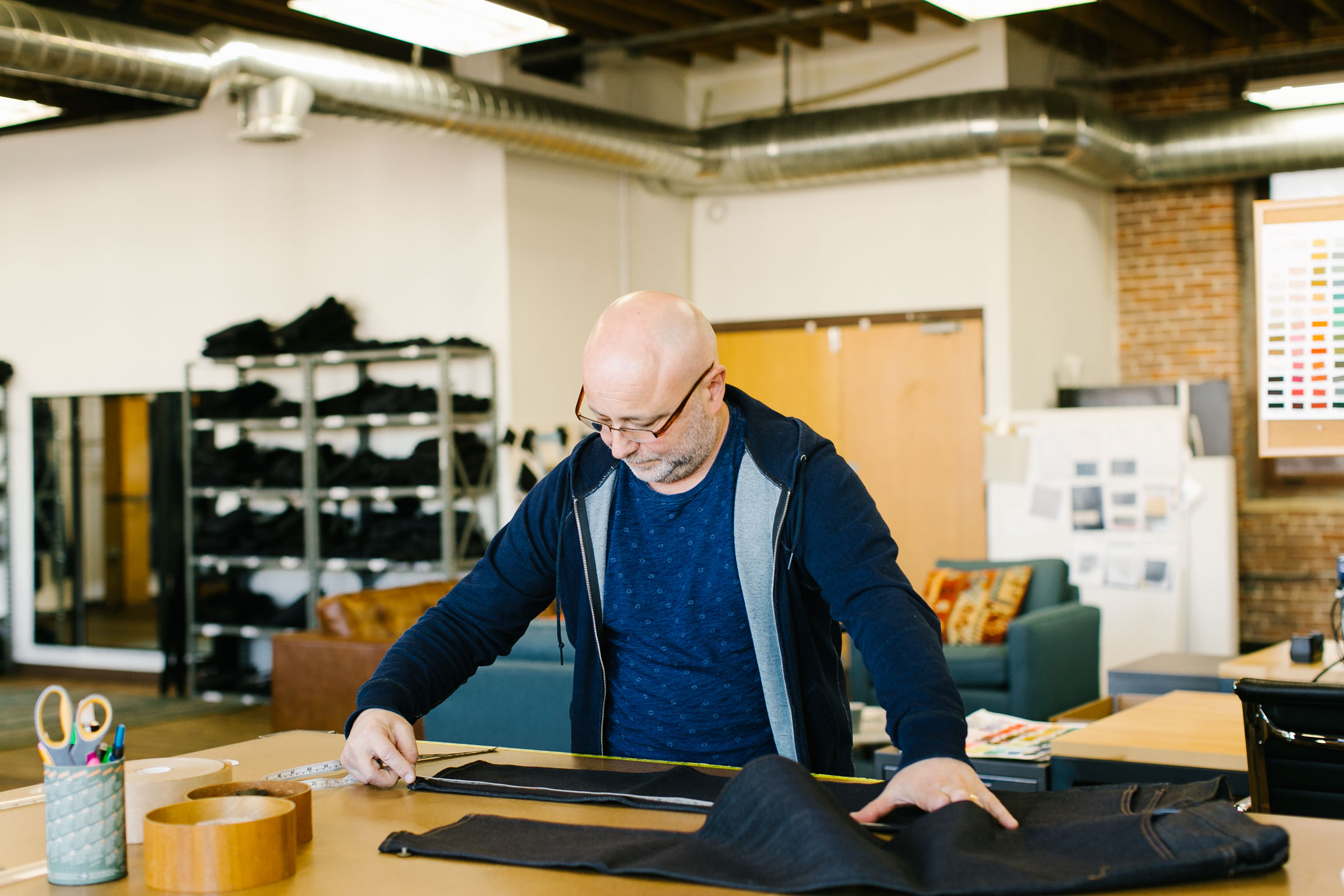 """Madewell's longtime patternmaker, Victor Liberman, works out of Los Angeles. """"Starting out with a good pattern makes it so much easier to fit down the line,"""" Fry says.(Photo: Angi Welsch/Surface)"""
