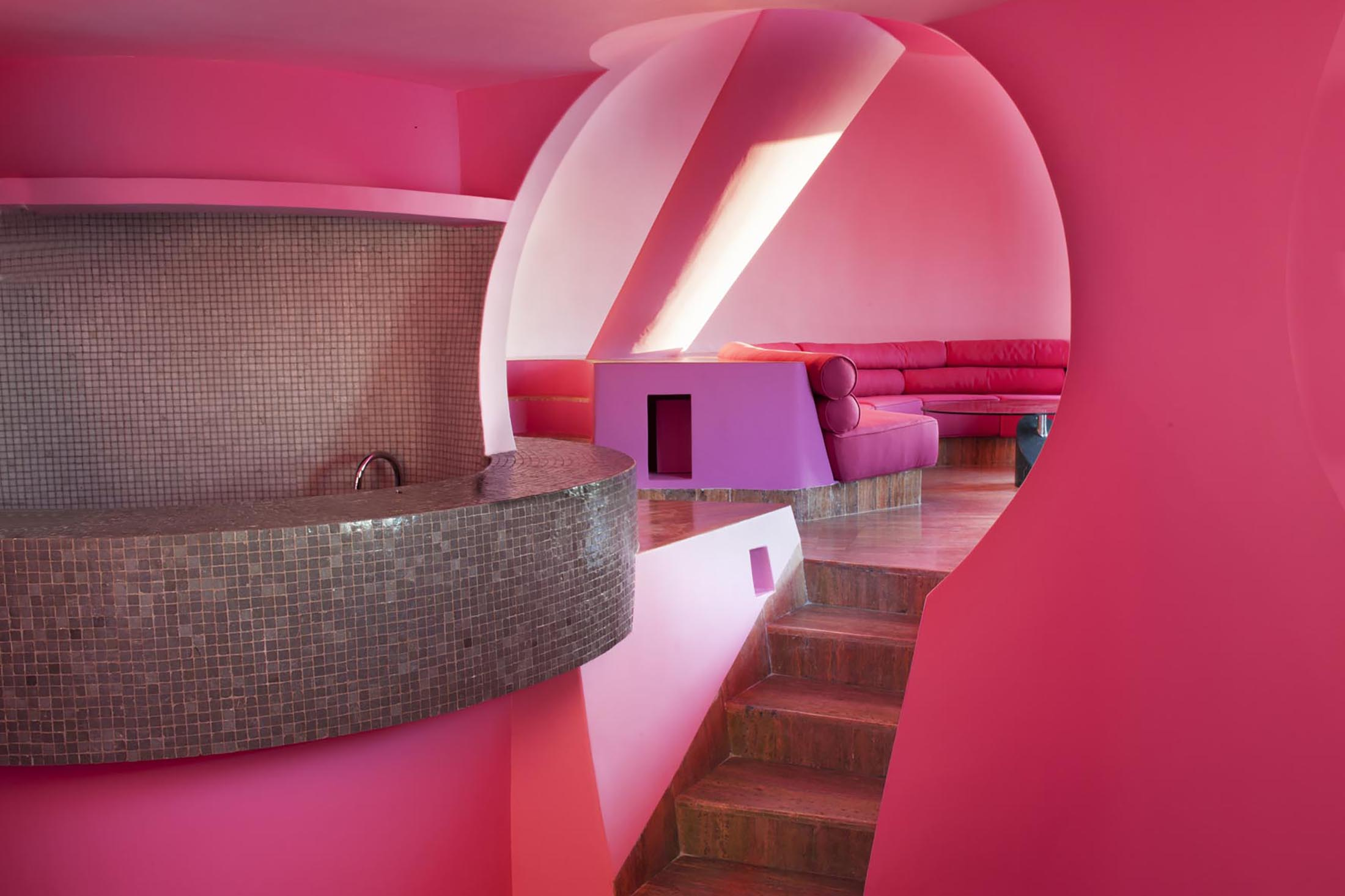 """The interior of the """"bubble house,"""" originally designed by Antti Lovag and renovated by Decq. (Photo: Yves Gellie)"""