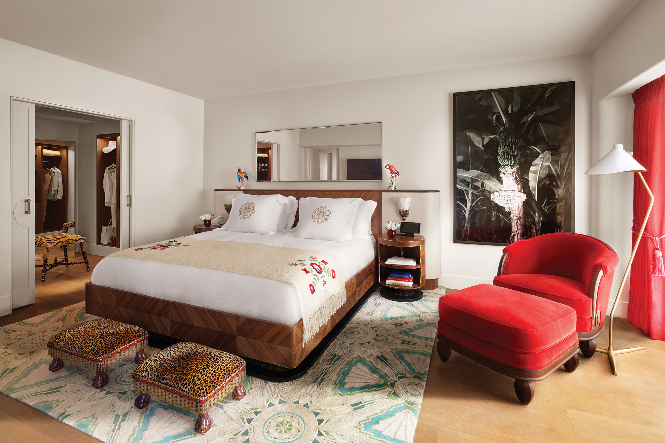 A suite with tropical flourishes. (Photo: Courtesy Faena Hotel Miami Beach)