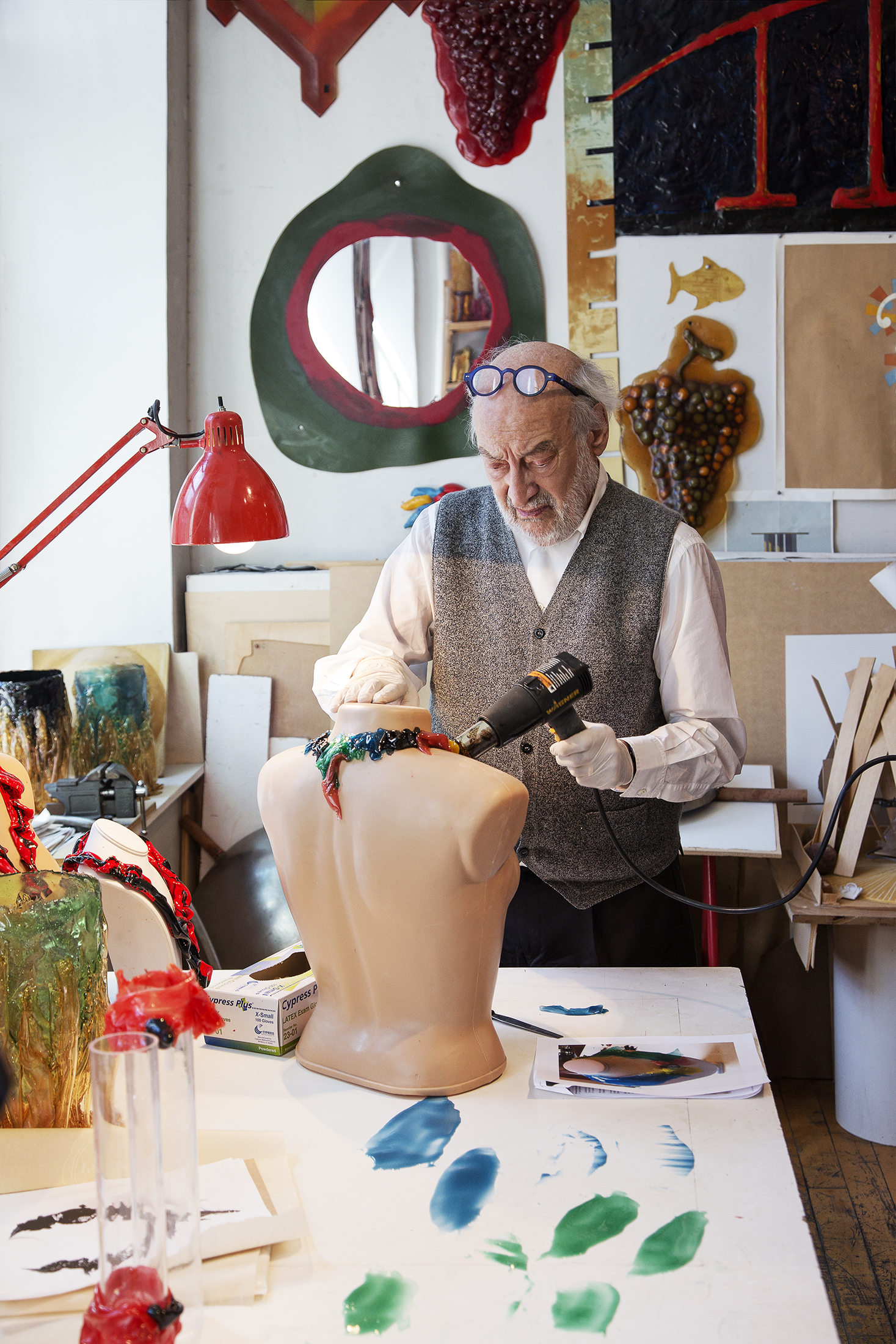 Pesce working in his studio. (Photo: Ogata/Surface)