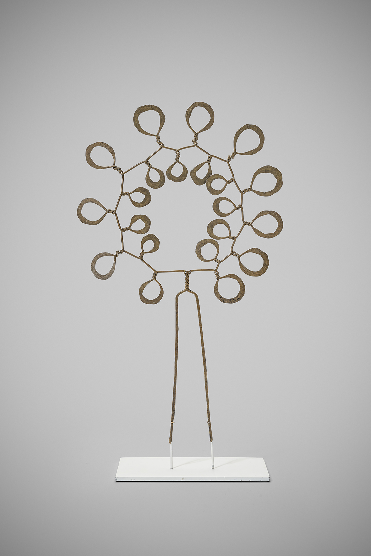 A piece called Flower, which Calder made in 1945. (Photo: Courtesy Louisa Guinness Gallery)