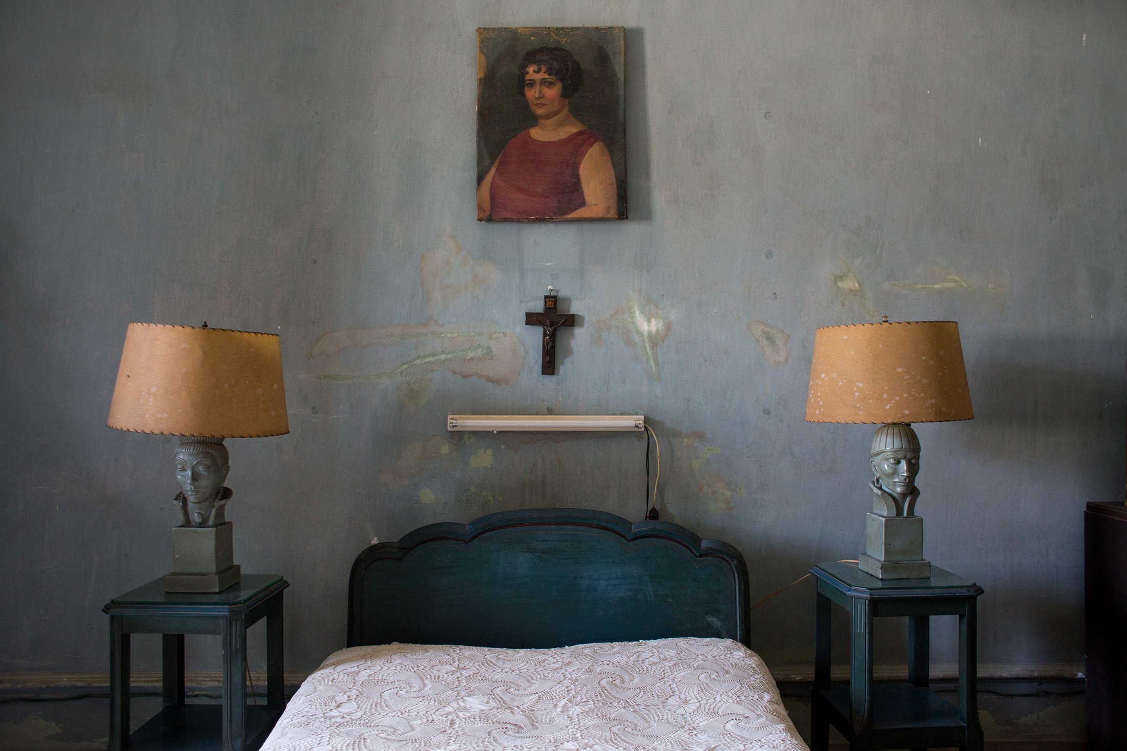 Alonzo's bedroom, where Rihanna was photographed for  Vanity Fair .
