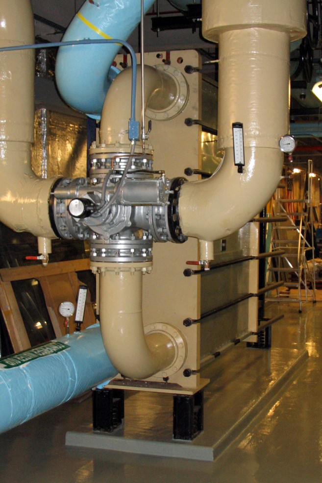 """Chilled Water Economizers  Port Size: 10"""" Diverter Valves & Controls Heat Transfer Area: 10,000 sq ft"""