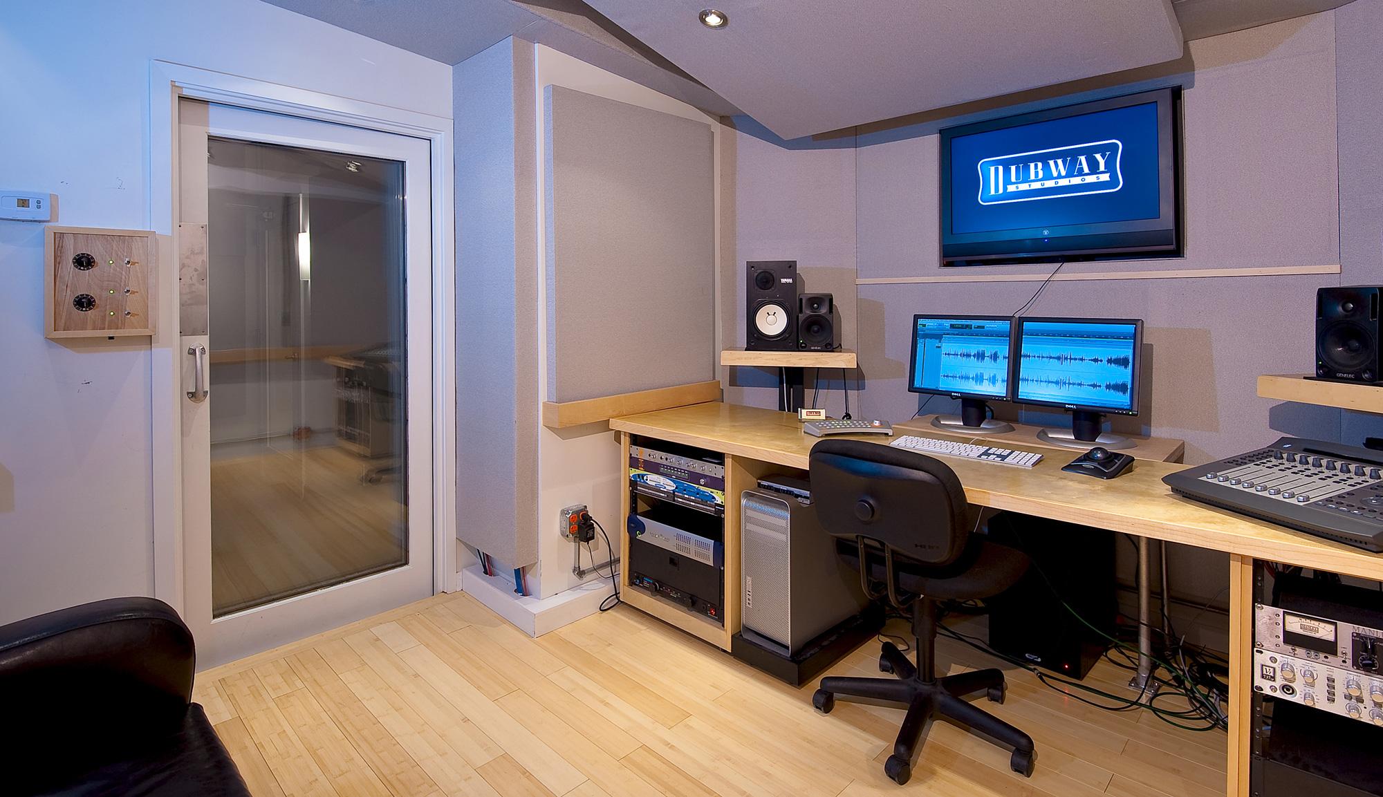 The Facility    Main Floor Studios   The Mezzanine Studio