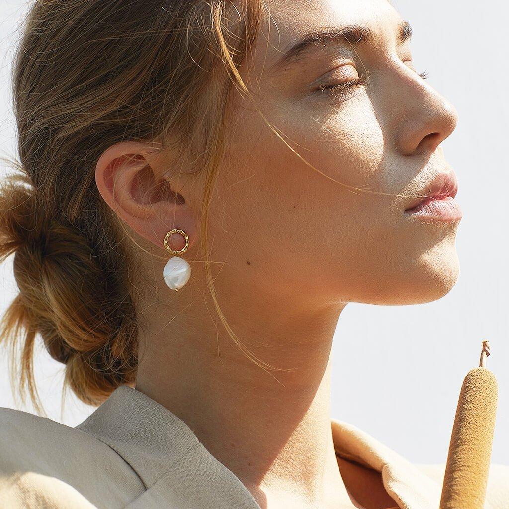 Ana-Luisa-Earrings-Studs_and_Delicate-Earrings-Hope-Pearl-Gold_2_1080x.jpg