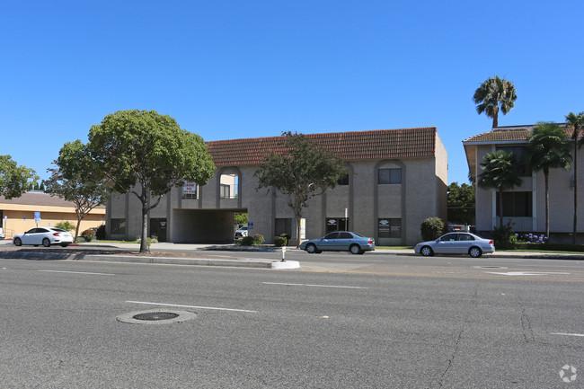 4152 Katella, Los Alamitos CA