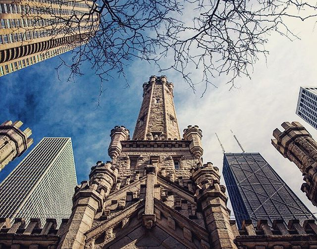 Chicago Week, Day 3: I love the juxtaposition of modern skyscrapers surrounding the old water tower, one of the few buildings to survive the Great Chicago Fire of 1871. Plus from this angle it kinda looks like an X-Wing. . #cinematicutah #howlive #chicago #downtownchicago #chicagowatertower #hancocktower #chicagogram #chicagoland #chicagolife #chicagoshots #chicagolove #chicagoskyline #chitown #windycity #urbex #xwing #starwars