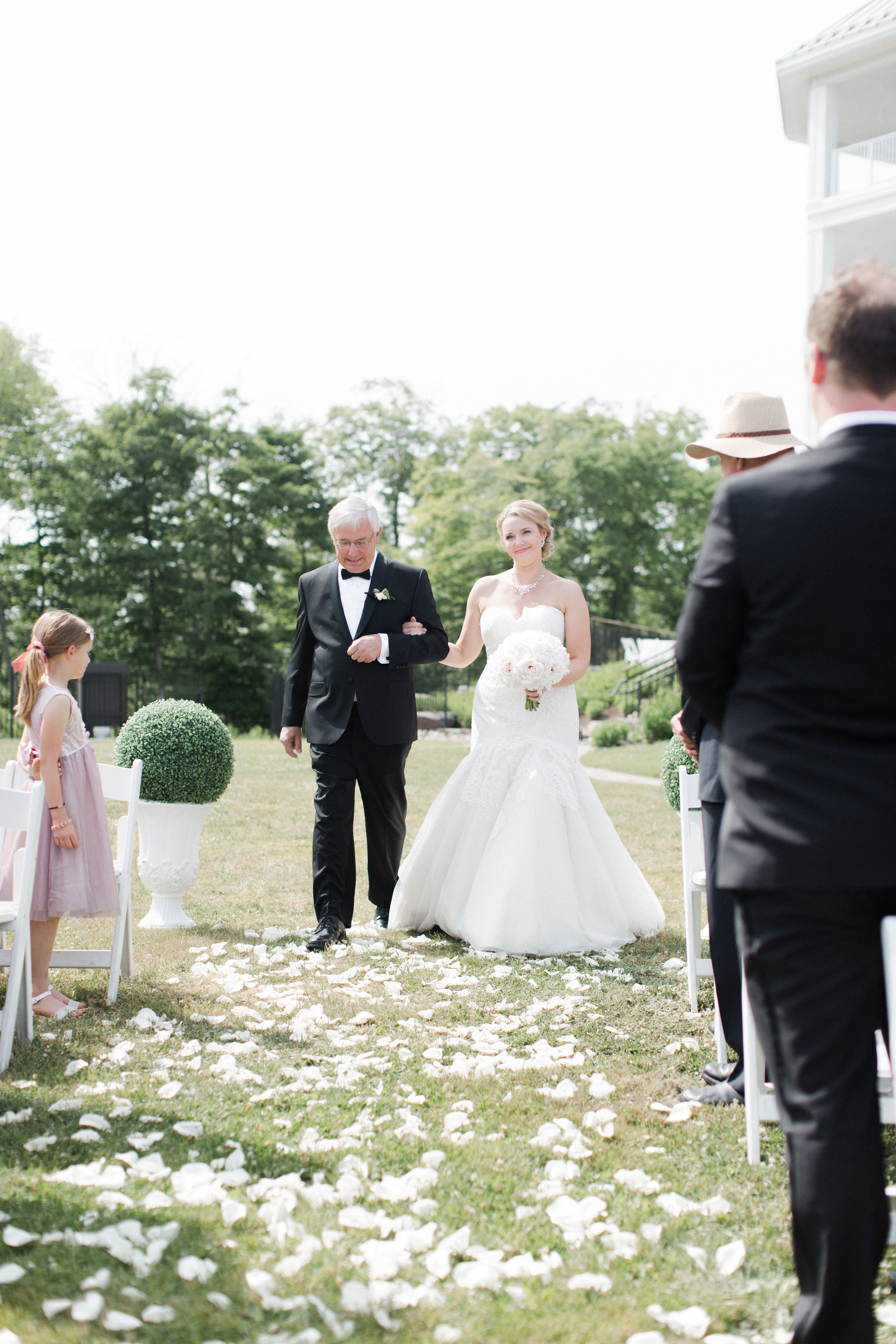 toronto-ontario-muskoka-rosseau-marriott-high-end-wedding-photographer-richelle-hunter-tori-doug-389.jpg
