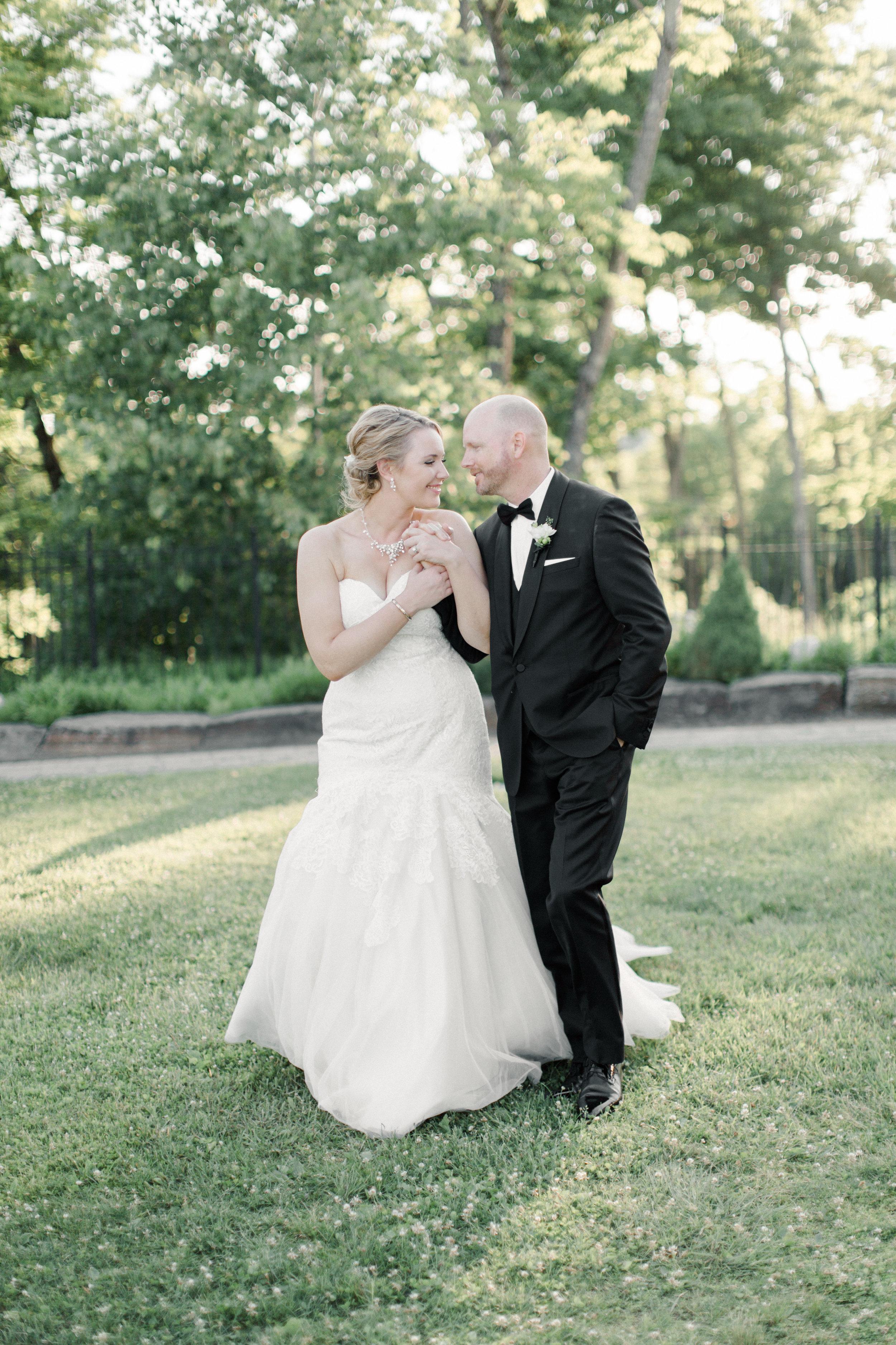 toronto-ontario-muskoka-rosseau-marriott-high-end-wedding-photographer-richelle-hunter-tori-doug-689.jpg