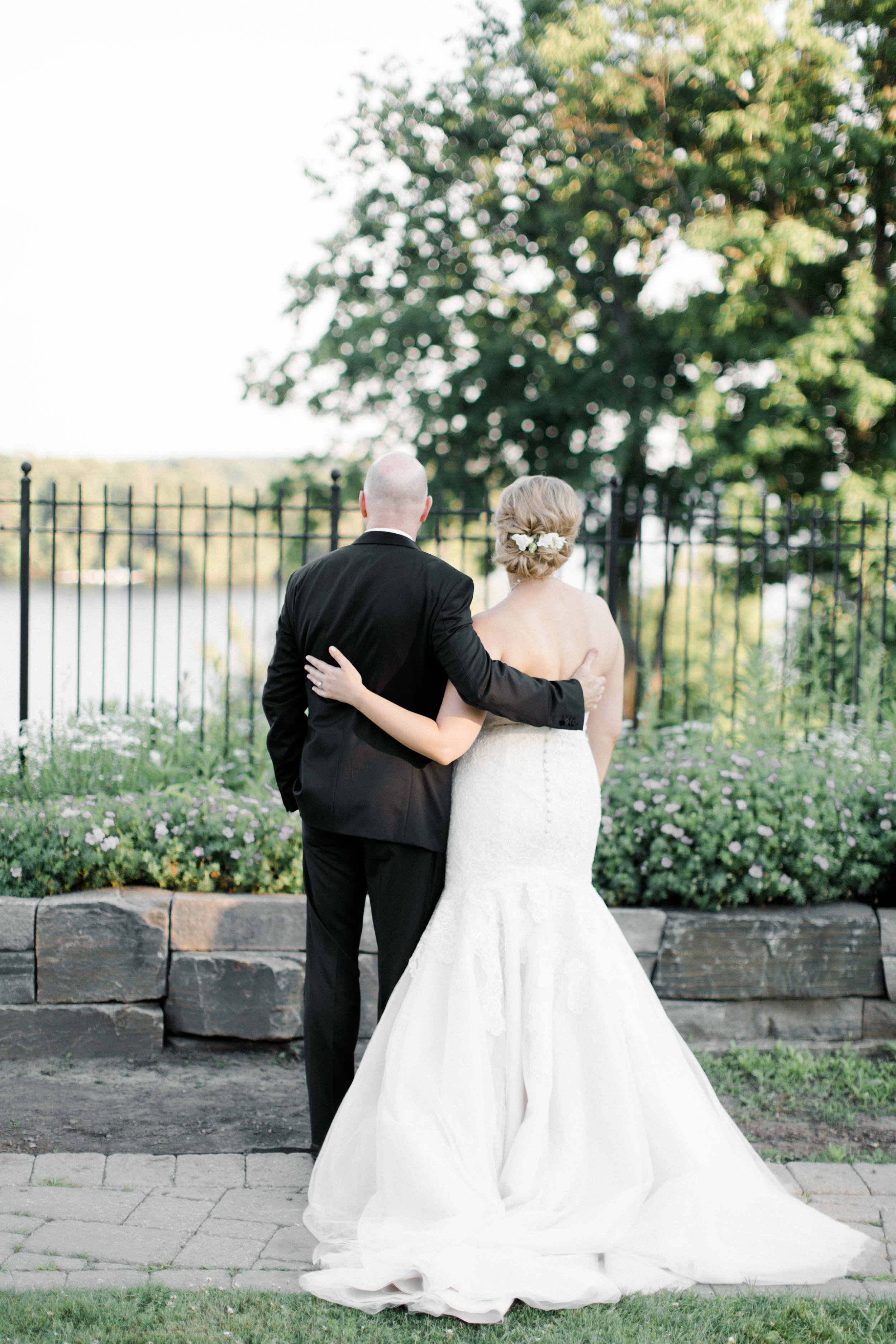 toronto-ontario-muskoka-rosseau-marriott-high-end-wedding-photographer-richelle-hunter-tori-doug-697.jpg