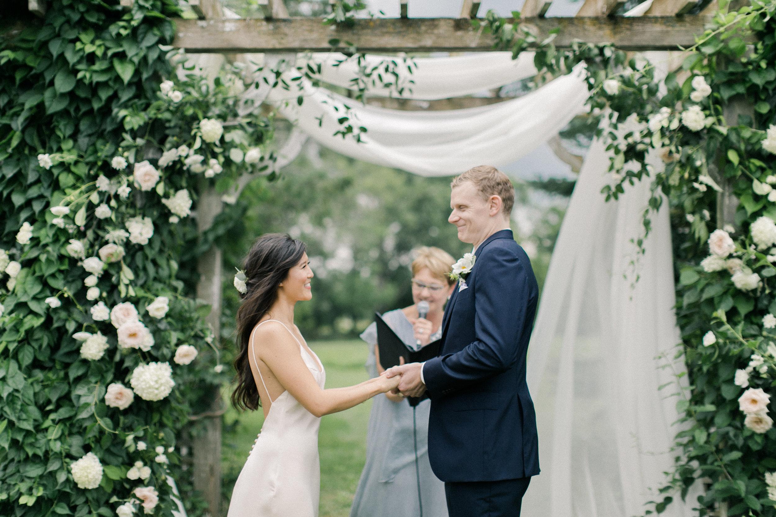 toronto-wedding-photographer-soft-bright-pretty-pastel-richelle-hunter-nicola-prentis-30.jpg