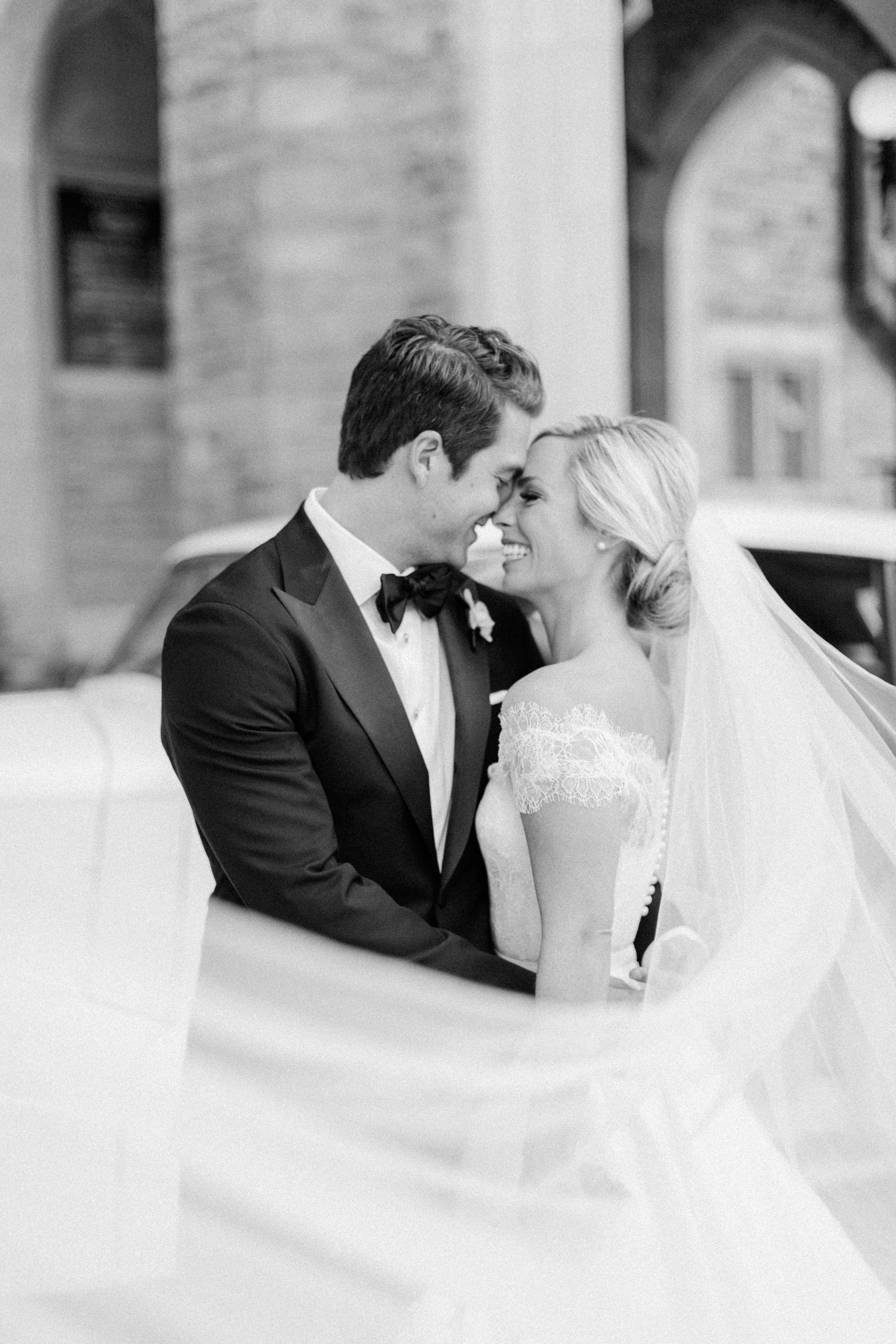 casa-loma-best-toronto-wedding-photographer-soft-bright-pastel-richelle-hunter-aynsley-richie-471.jpg