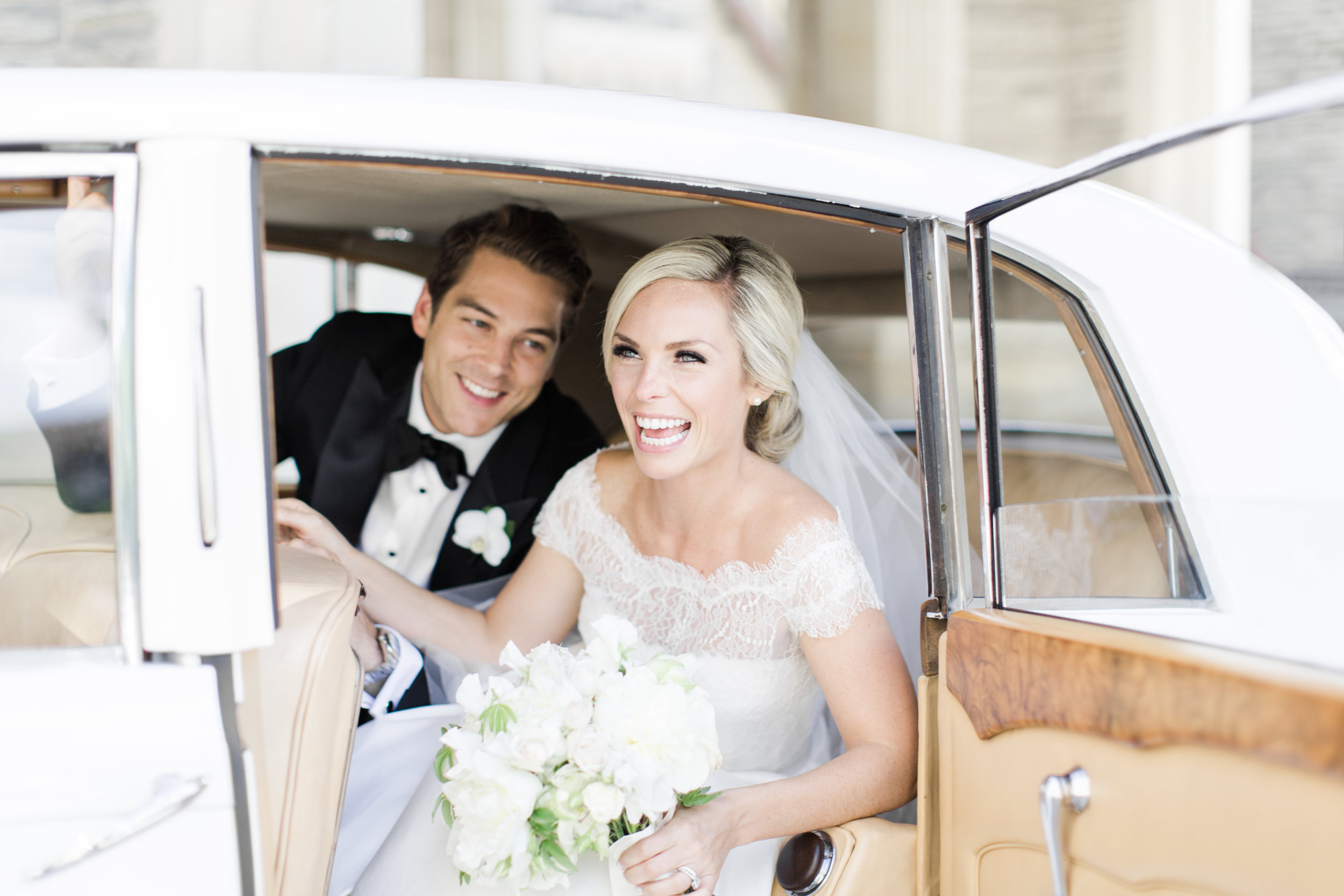 casa-loma-best-toronto-wedding-photographer-soft-bright-pastel-richelle-hunter-aynsley-richie-416.jpg