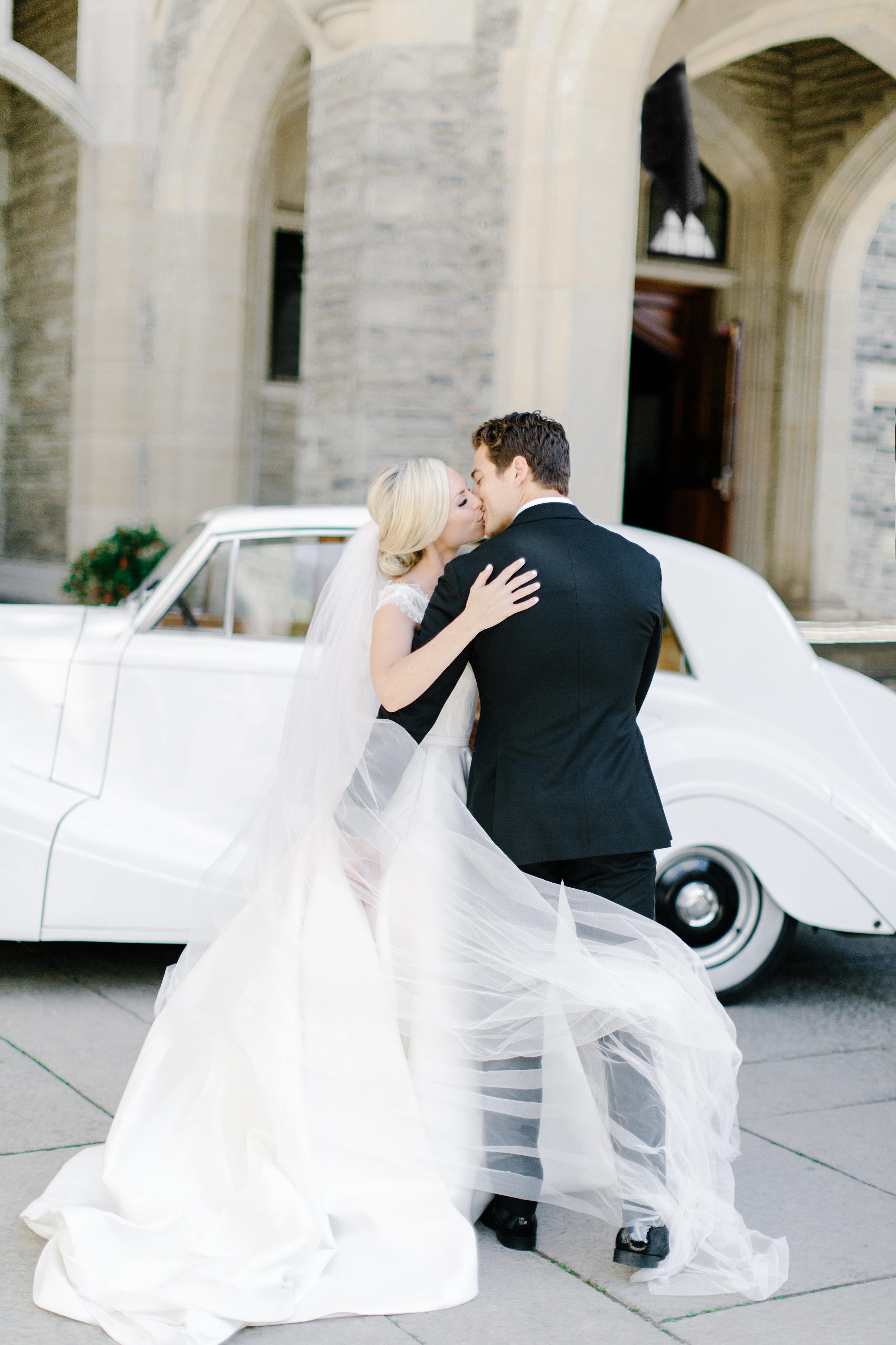 casa-loma-best-toronto-wedding-photographer-soft-bright-pastel-richelle-hunter-aynsley-richie-448.jpg