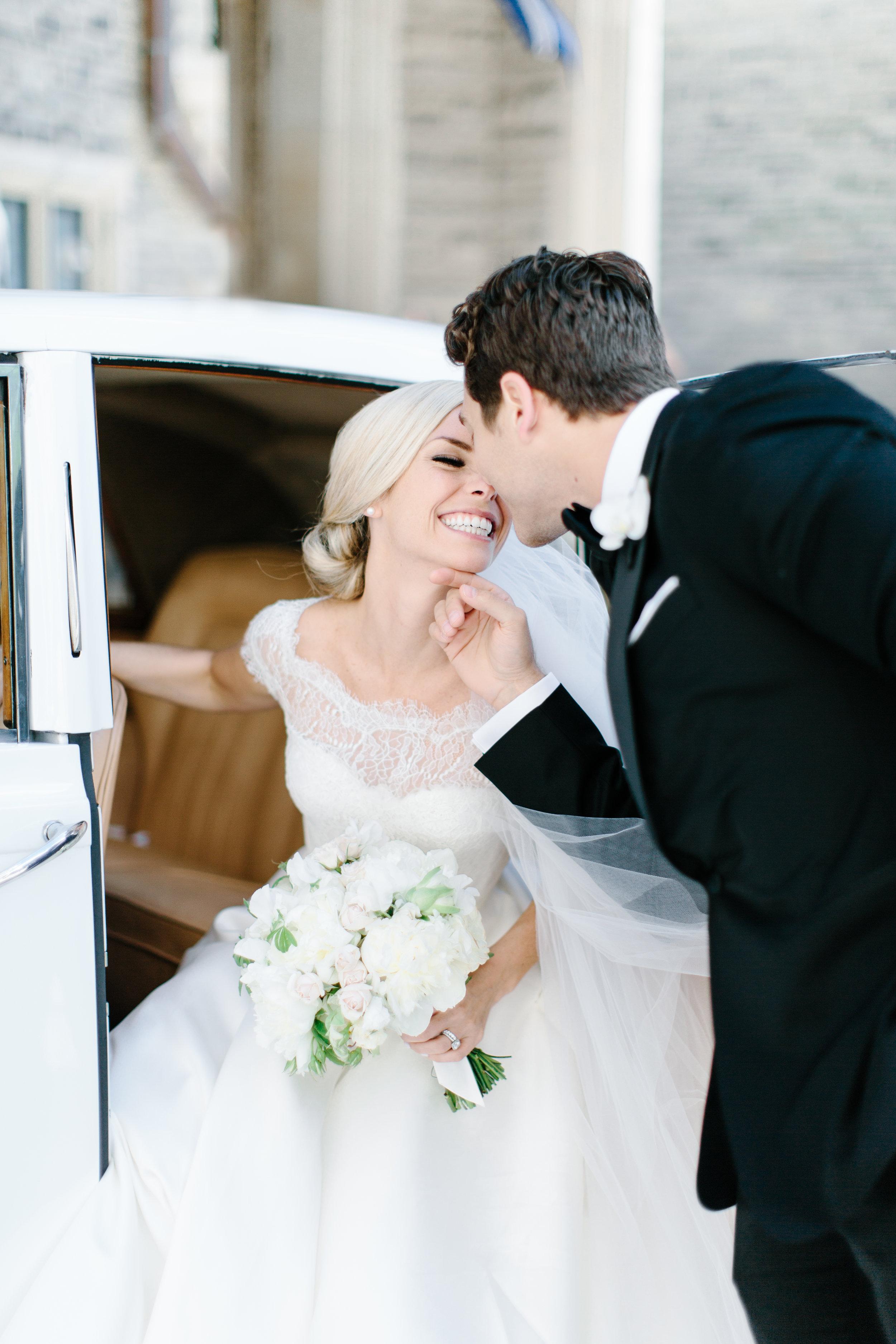 casa-loma-best-toronto-wedding-photographer-soft-bright-pastel-richelle-hunter-aynsley-richie-453.jpg