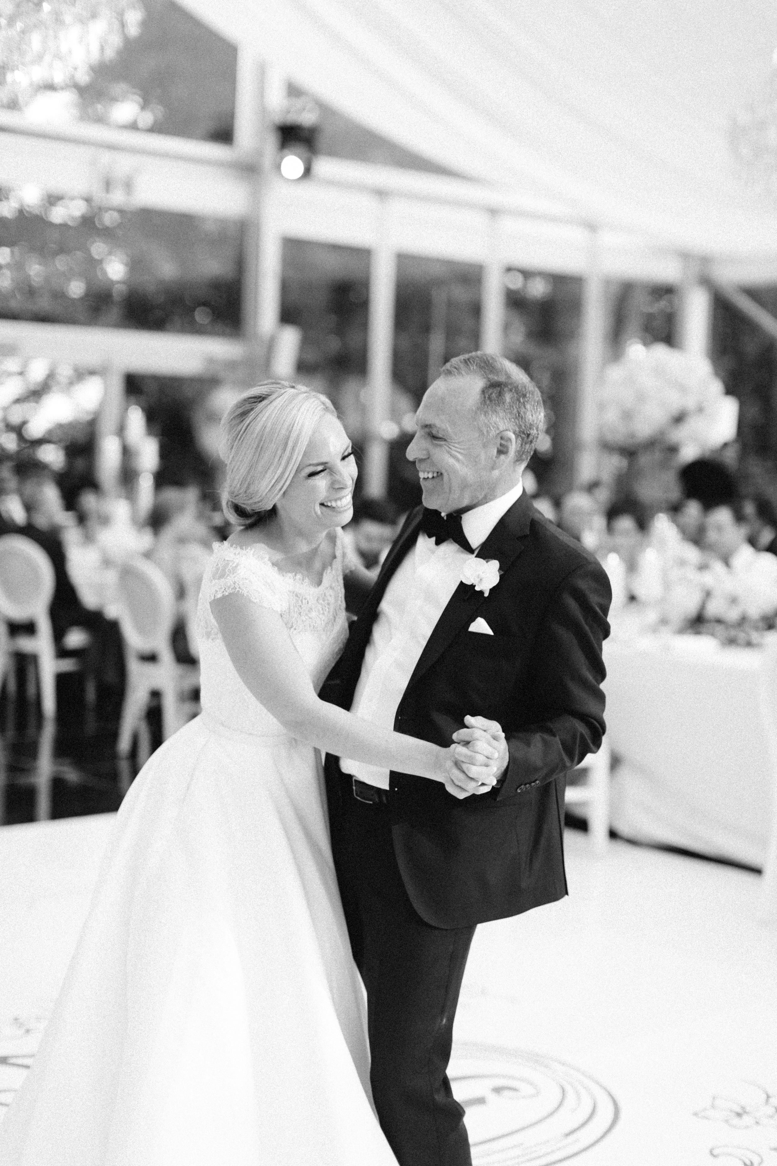 casa-loma-best-toronto-wedding-photographer-soft-bright-pastel-richelle-hunter-aynsley-richie-1050.jpg