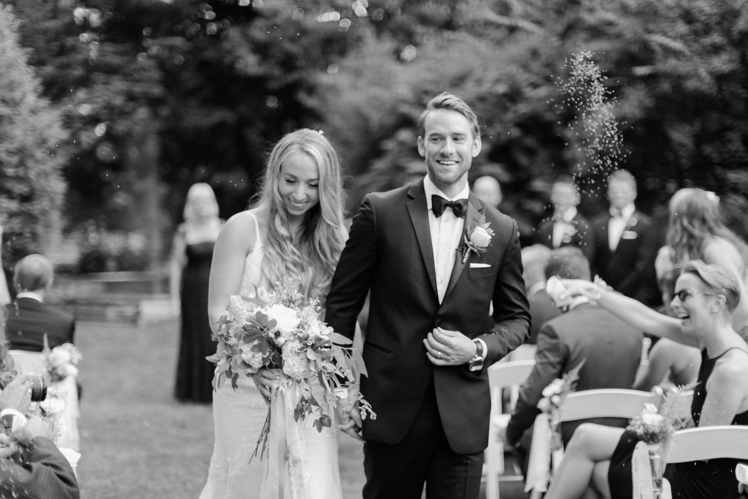 best-toronto-wedding-photographer-sunnybrook-estate-mclean-house-richelle-hunter-emily-geoff-590.jpg