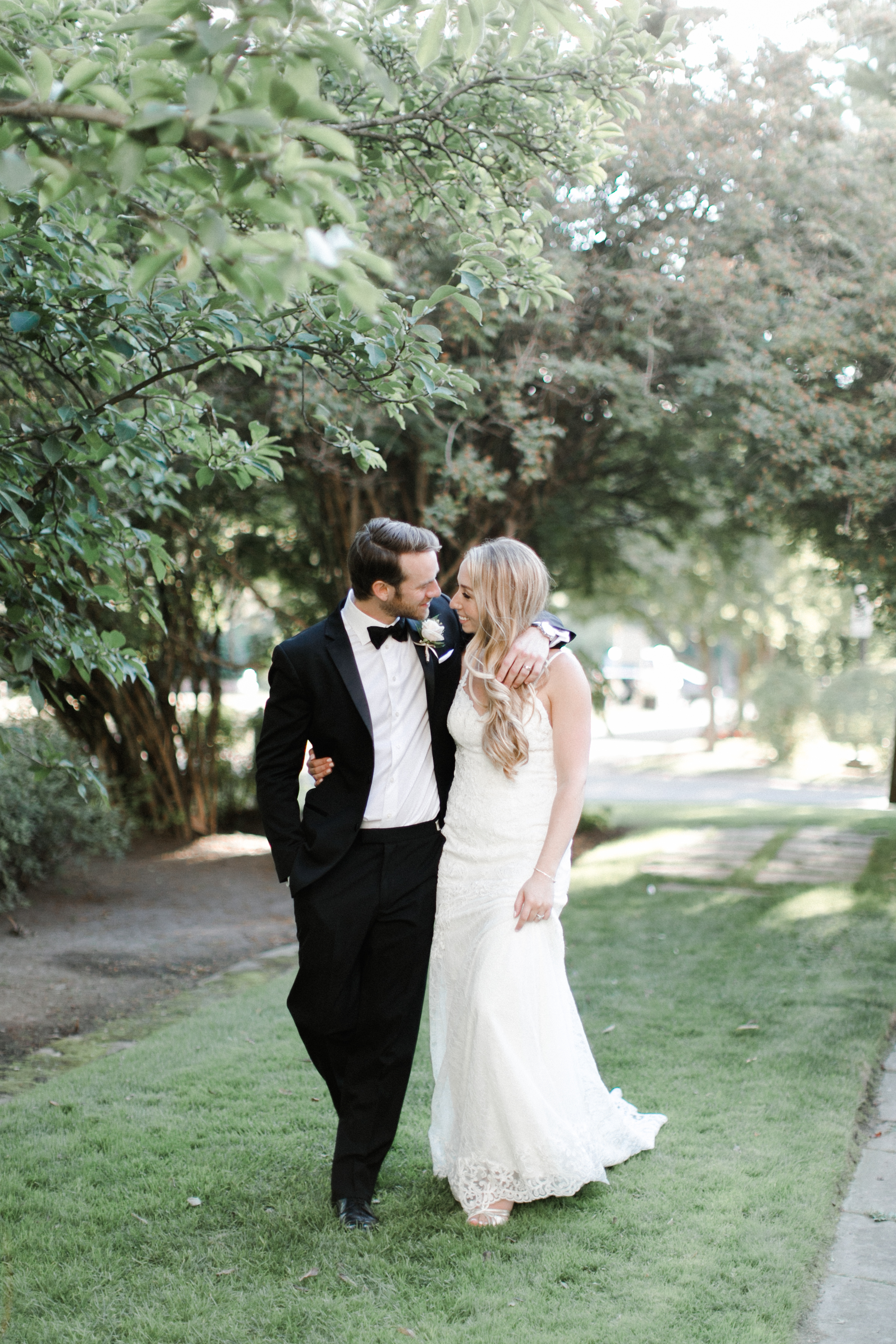 best-toronto-wedding-photographer-sunnybrook-estate-mclean-house-richelle-hunter-emily-geoff-691.jpg