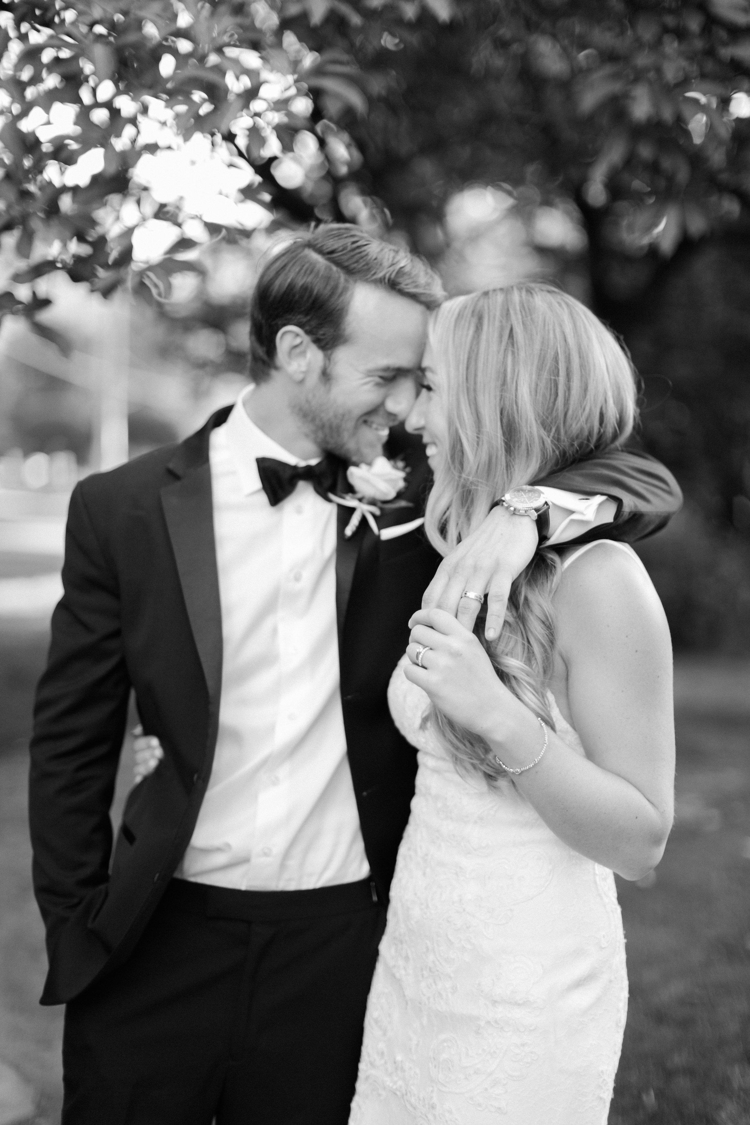 best-toronto-wedding-photographer-sunnybrook-estate-mclean-house-richelle-hunter-emily-geoff-697.jpg