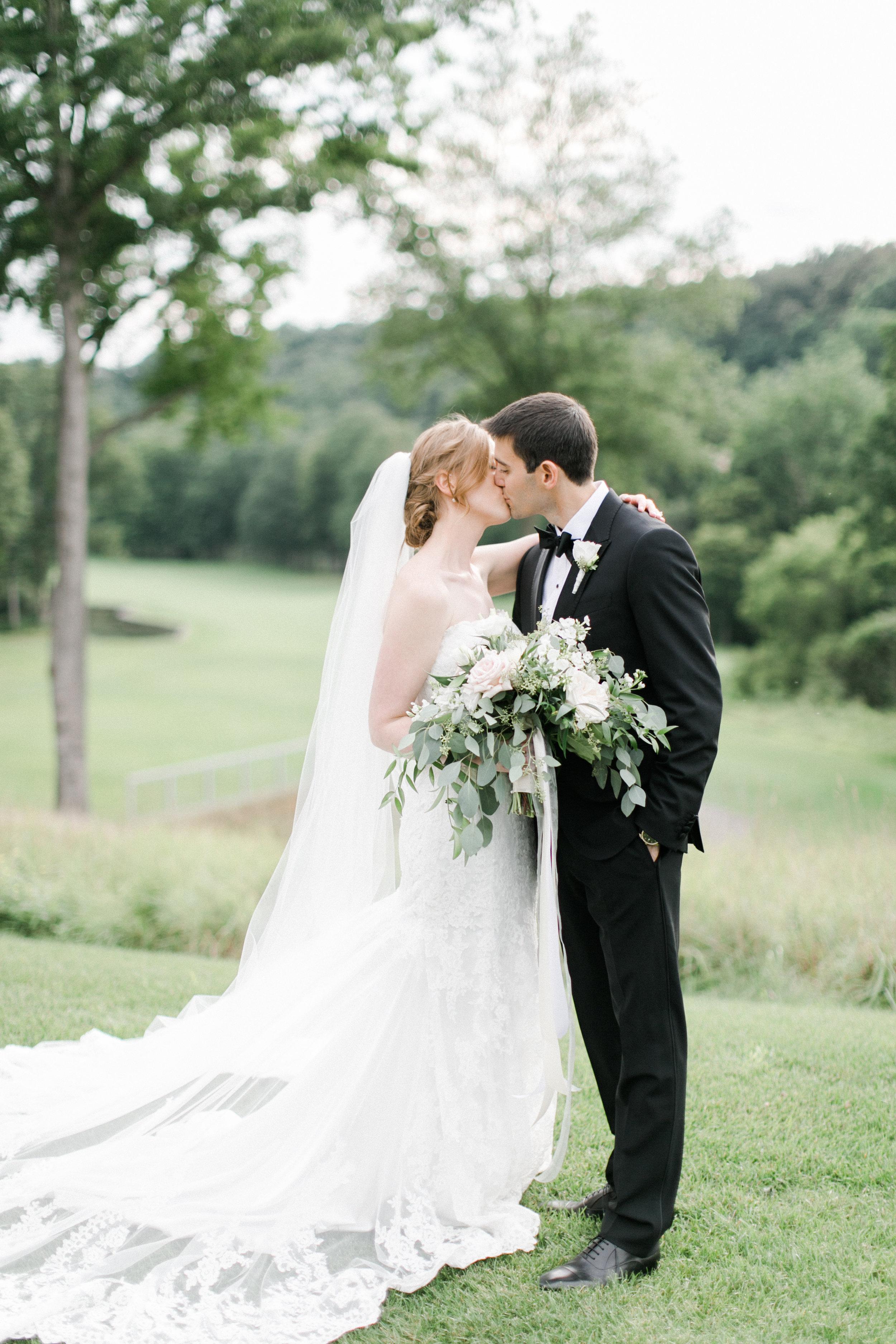 london-hunt-club-toronto-wedding-photographer-bright-richelle-hunter-jewish-ceremony-jessica-shemer-708.jpg