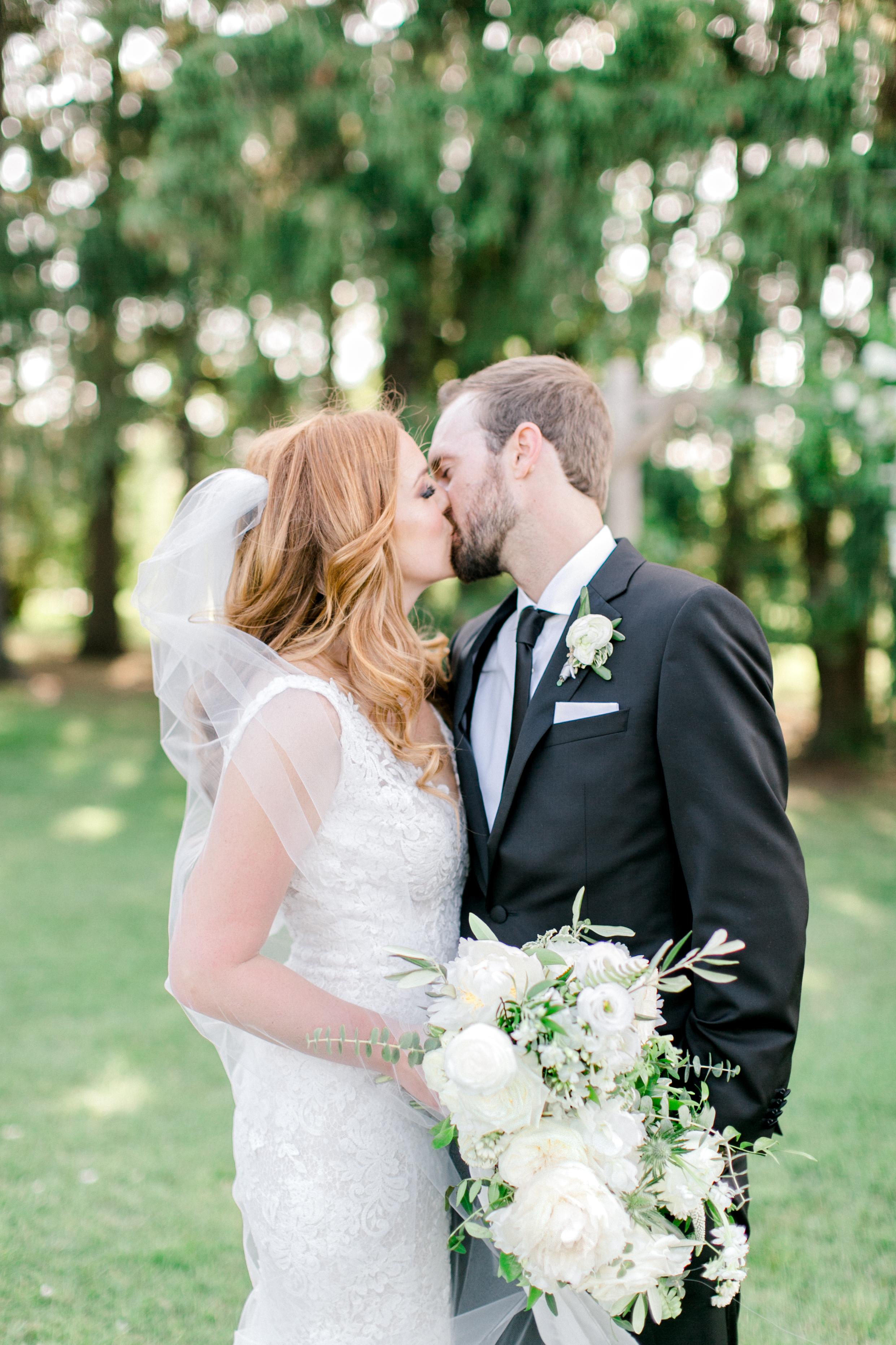 cambium-farms-kurtz-wedding-toronto-photographer-langdon-film-richelle-hunter-cori-joey-previews-9.jpg