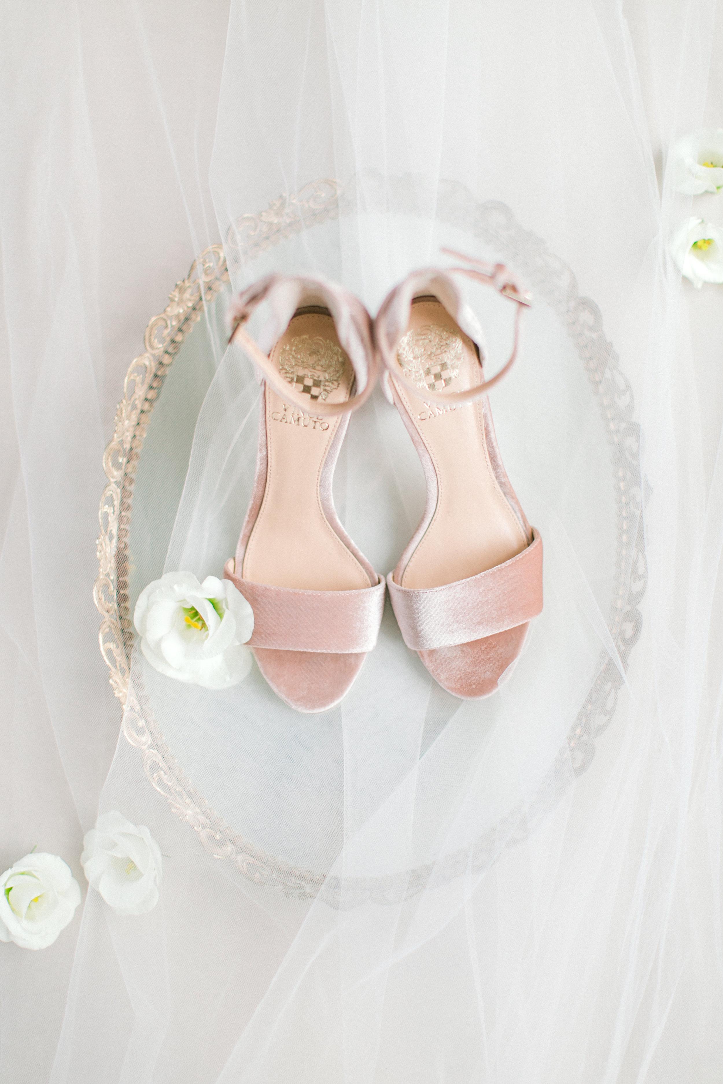 kurtz-wedding-toronto-photographer-langdon-film-richelle-hunter-anna-rob-previews-1.jpg