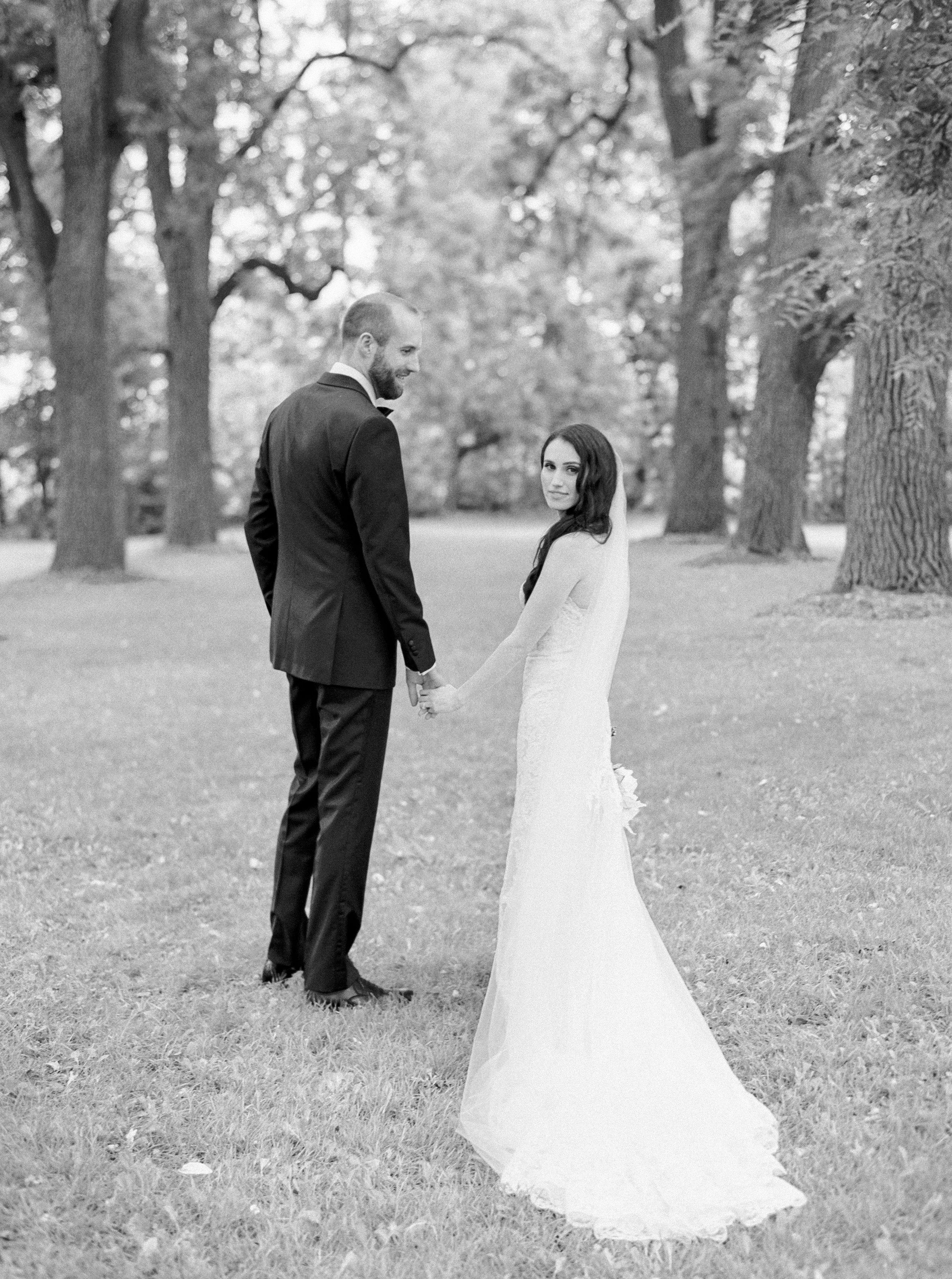 kurtz-wedding-toronto-photographer-langdon-film-richelle-hunter-anna-rob-previews-23.jpg