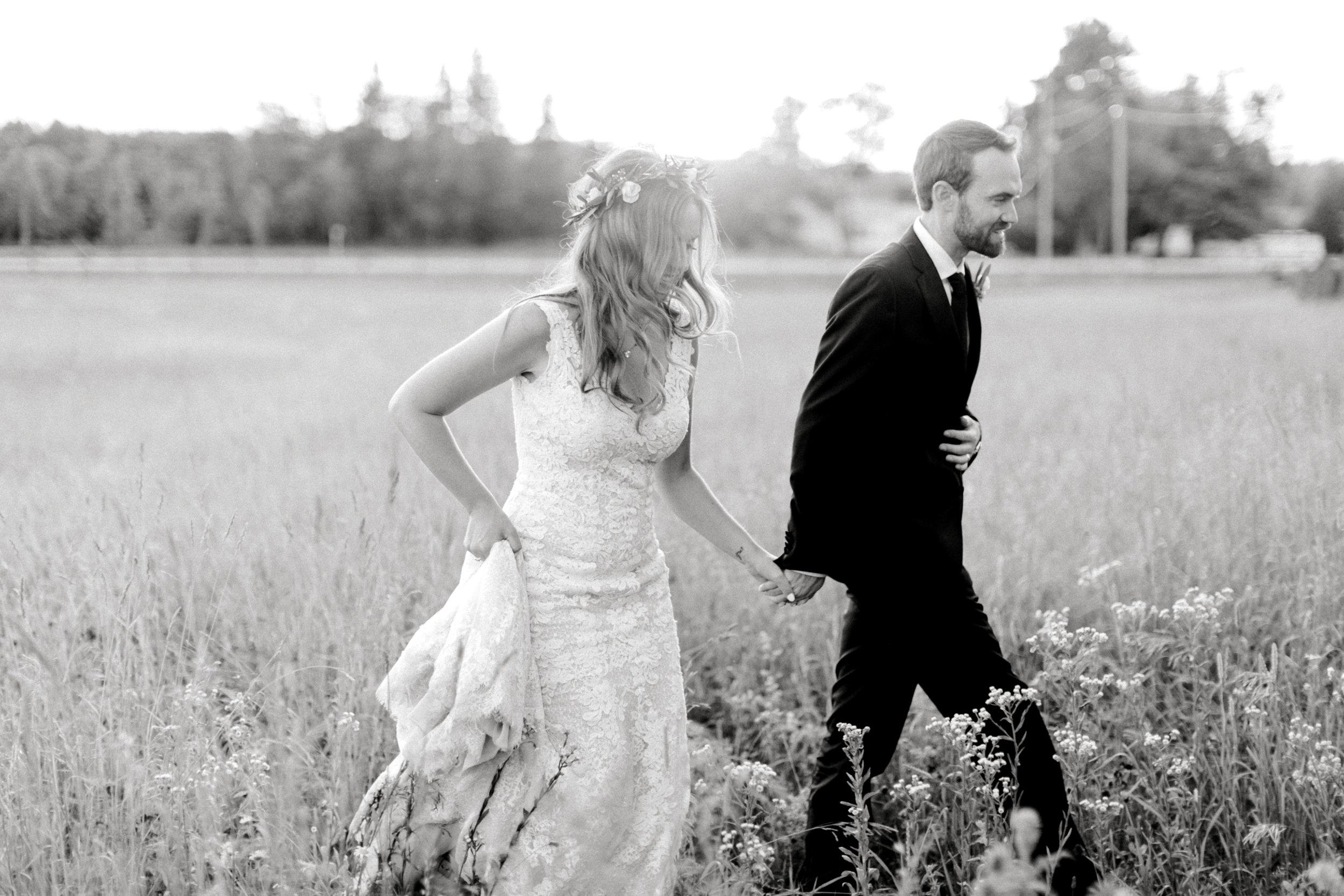cambium-farms-kurtz-wedding-toronto-photographer-langdon-film-richelle-hunter-cori-joey-671.jpg