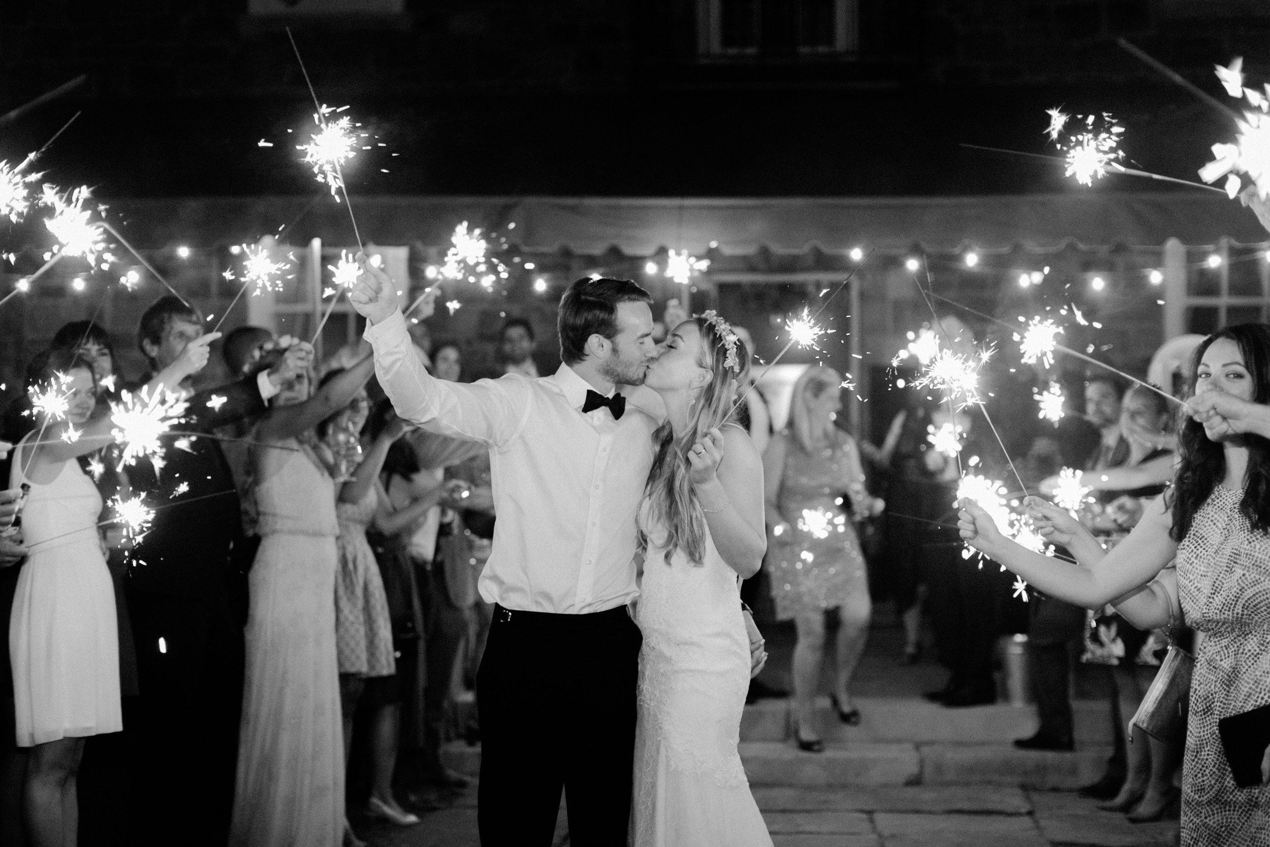 best-toronto-wedding-photographer-sunnybrook-estate-mclean-house-richelle-hunter-emily-geoff-927 COPY.jpg