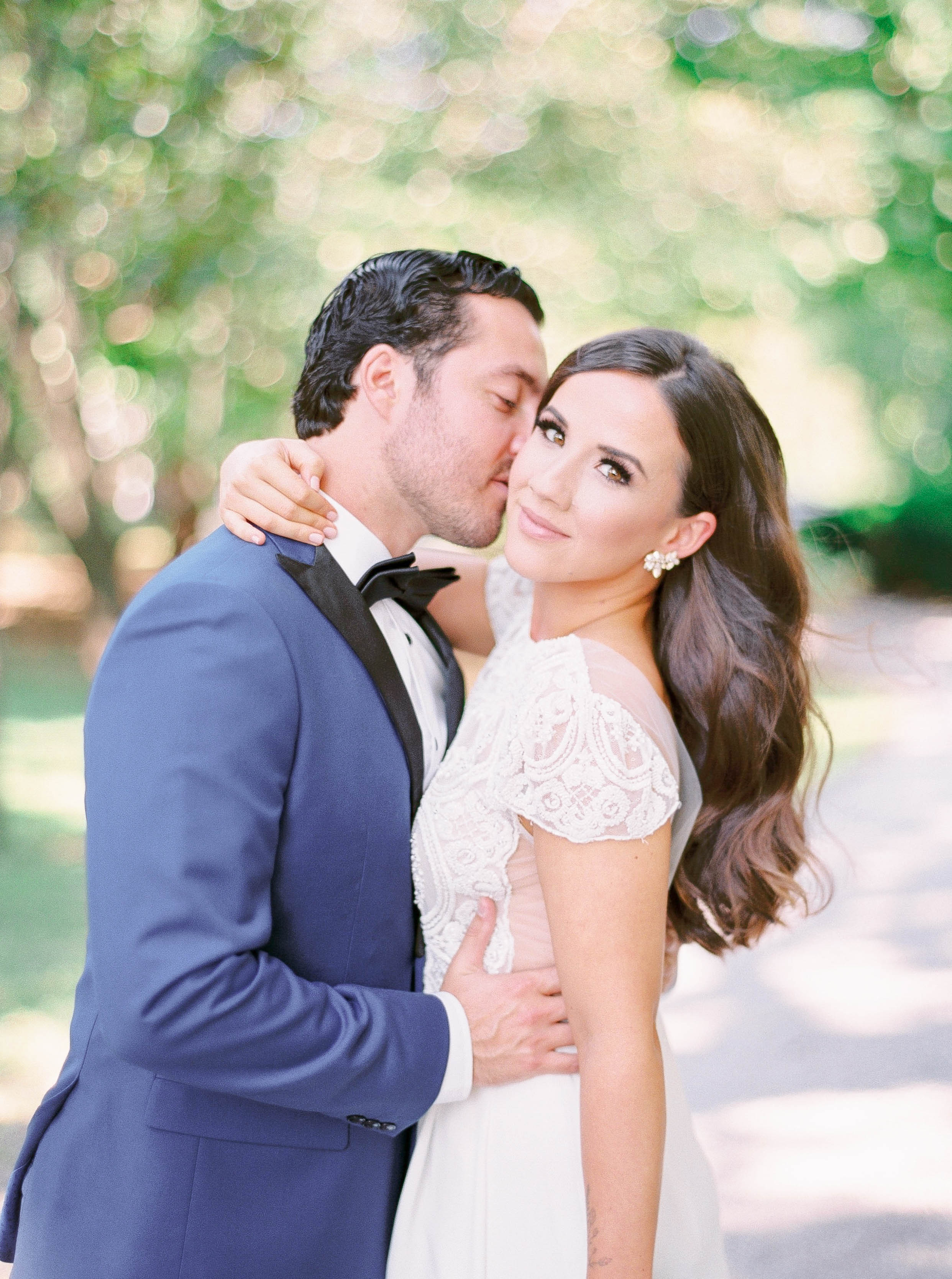 kurtz-gracewood-wedding-soft-airy-photographer-white-book-danielle-carmen-16.jpg