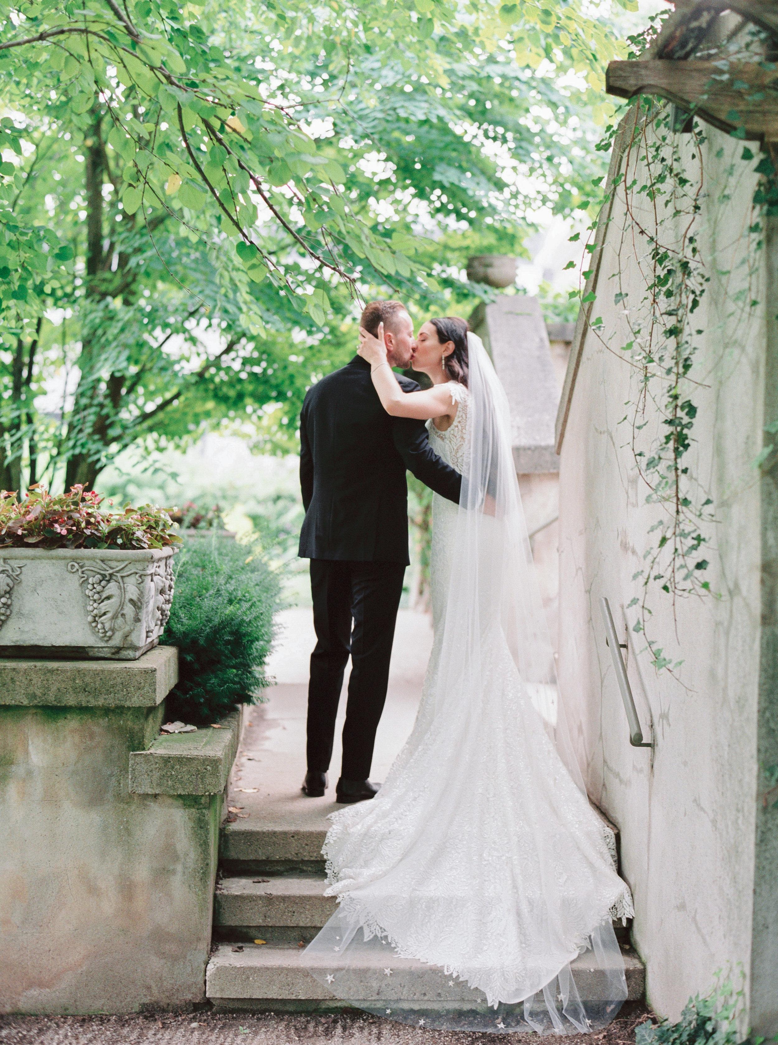 langdon-hall-wedding-toronto-photographer-soft-airy-kurtz-bre-tom-firshade-787.jpg