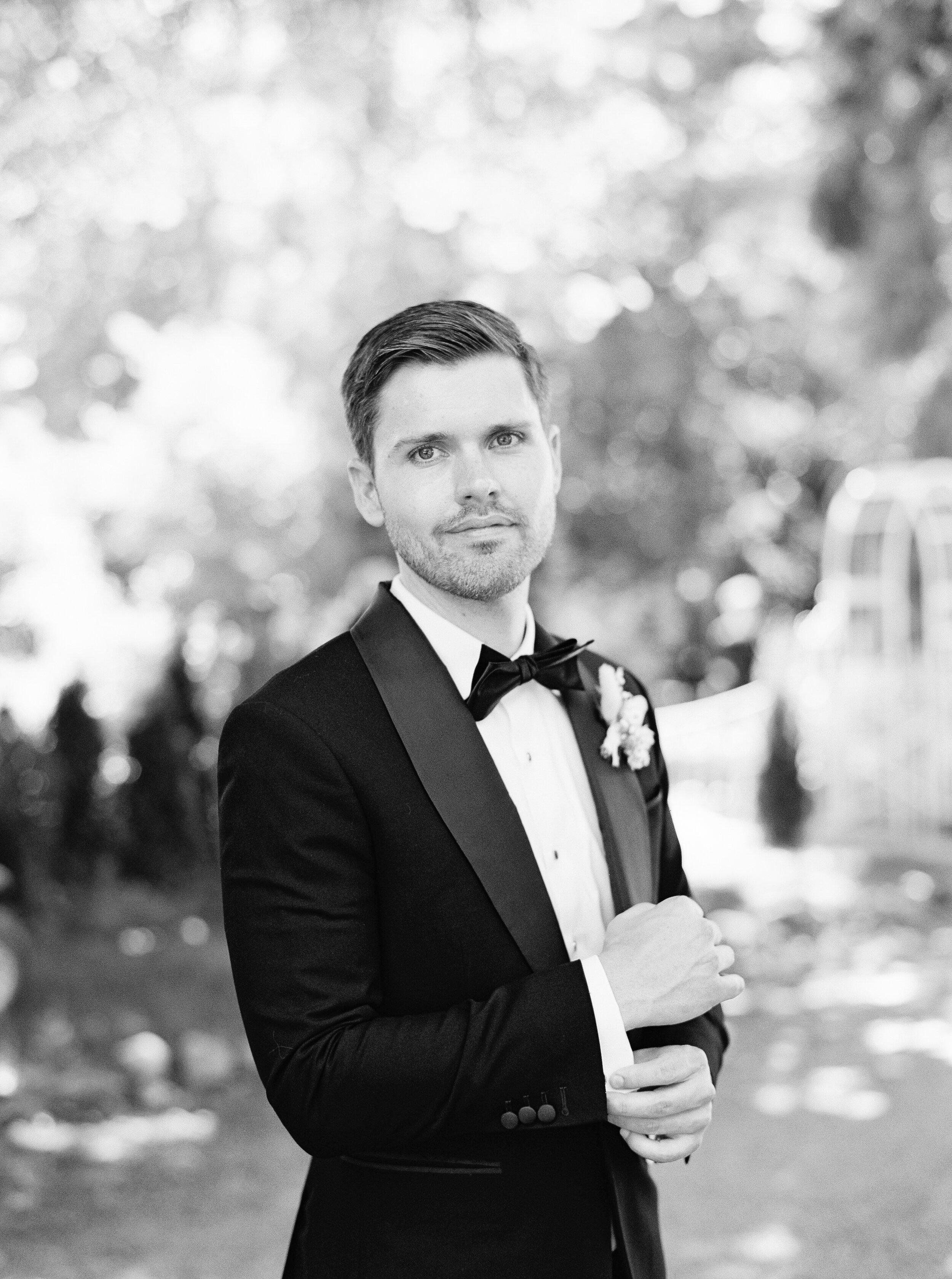 gracewood-kurtz-best-toronto-wedding-photographer-soft-airy-jordan-andrew-previews-14.jpg